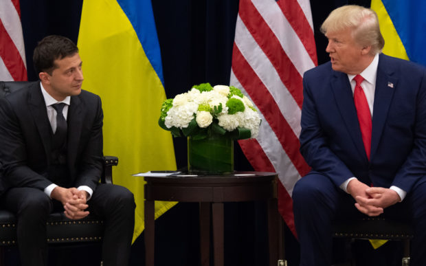 US President Donald Trump and Ukrainian President Volodymyr Zelensky meet in New York on September 25, 2019, on the sidelines of the United Nations General Assembly. (Photo by SAUL LOEB/AFP/Getty Images)