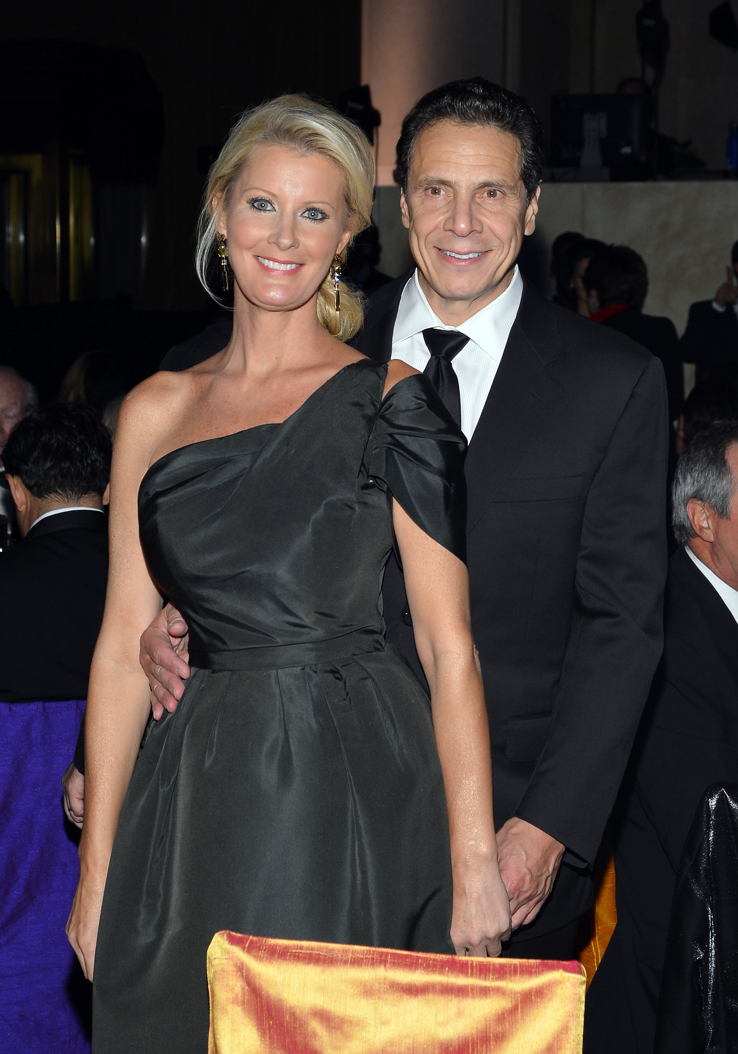 Enduring Vision Award Honoree Sandra Lee and New York Governor Andrew Cuomo attend the Elton John AIDS Foundation's 12th Annual An Enduring Vision Benefit at Cipriani Wall Street on October 15, 2013 in New York City. (Photo by Larry Busacca/Getty Images)