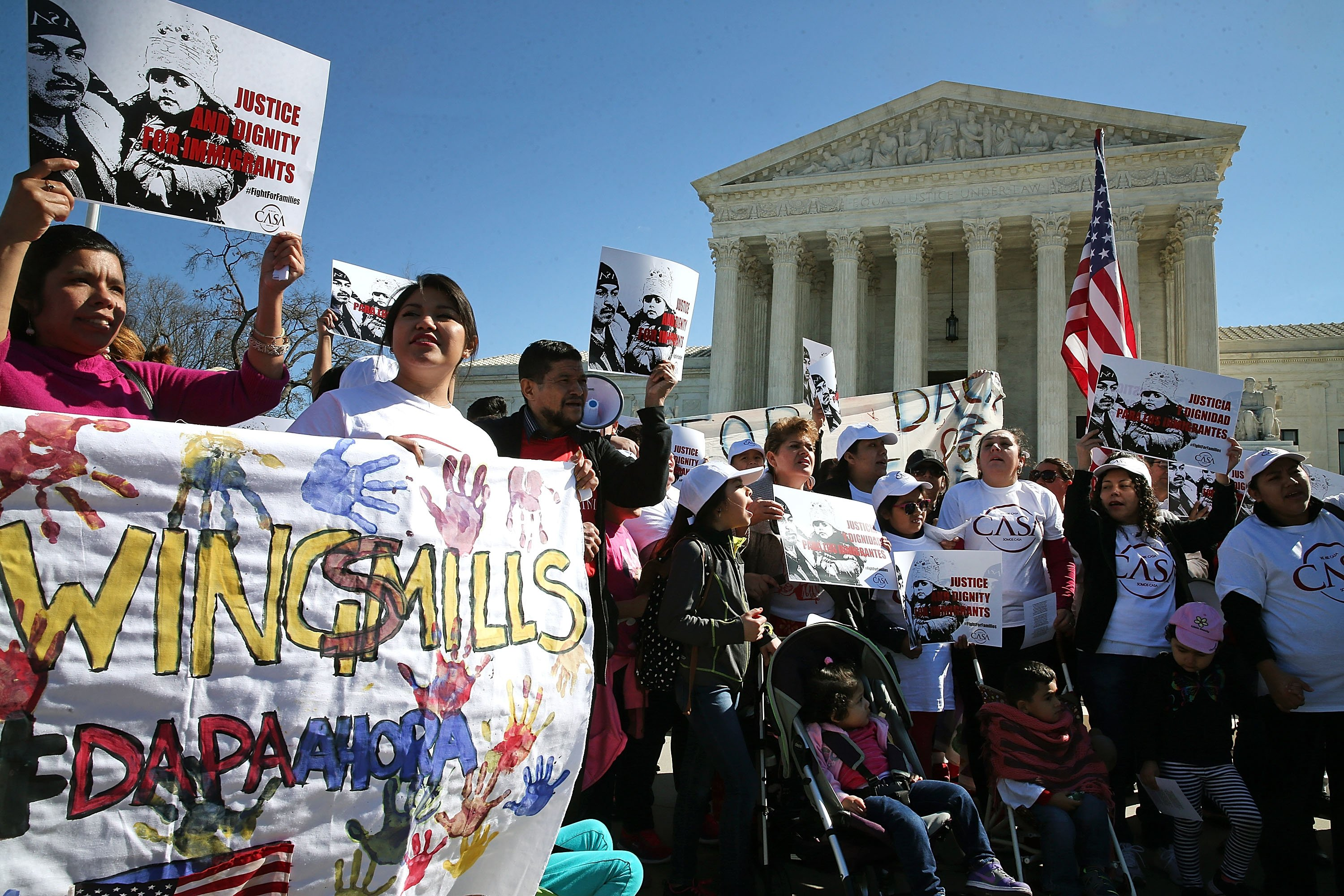 Pro-DAPA protesters rally in front of the Supreme Court on March 18, 2016. (Mark Wilson/Getty Images)