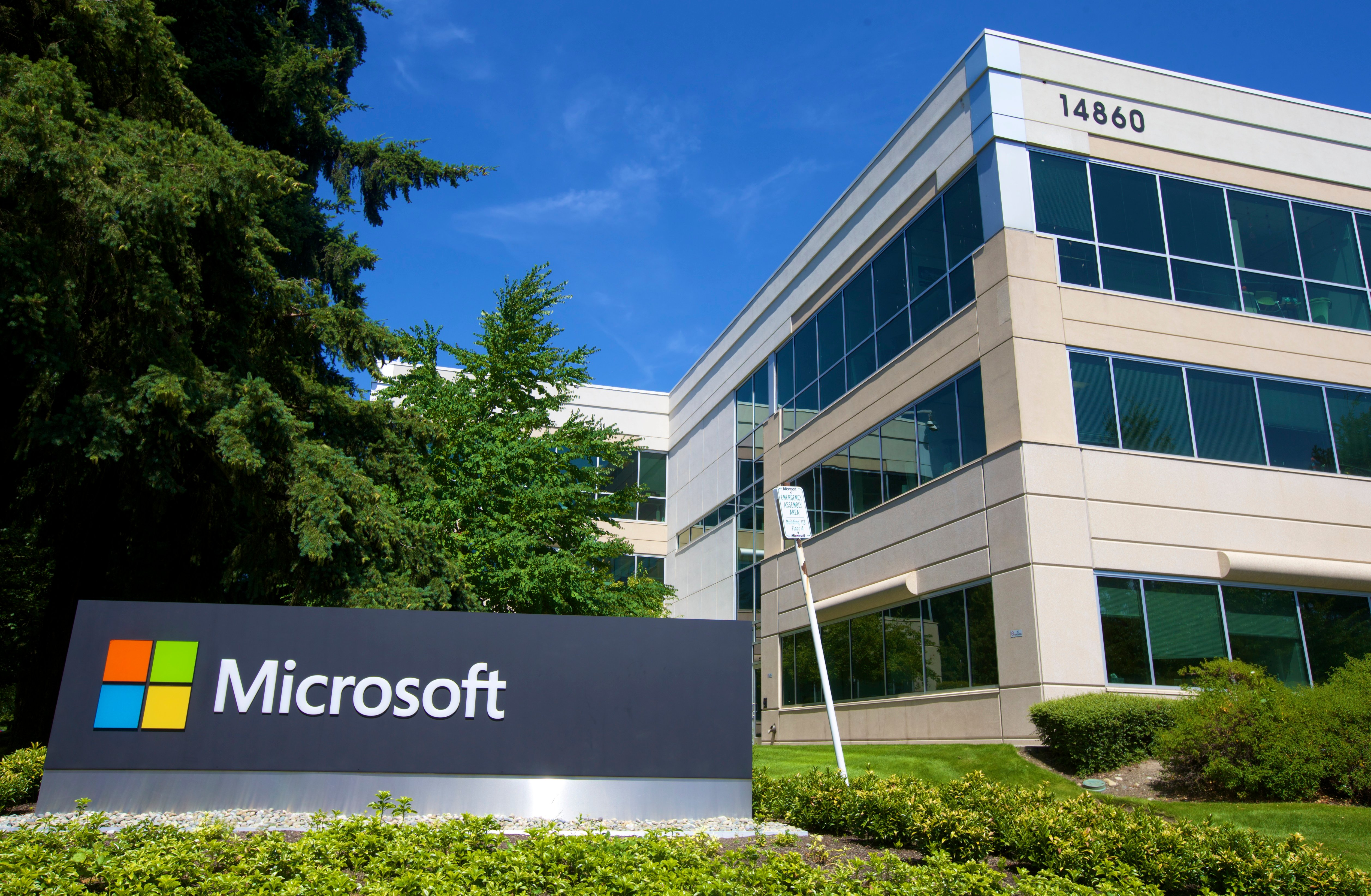 A building on the Microsoft Headquarters campus is pictured July 17, 2014 in Redmond, Washington. (Stephen Brashear/Getty Images)
