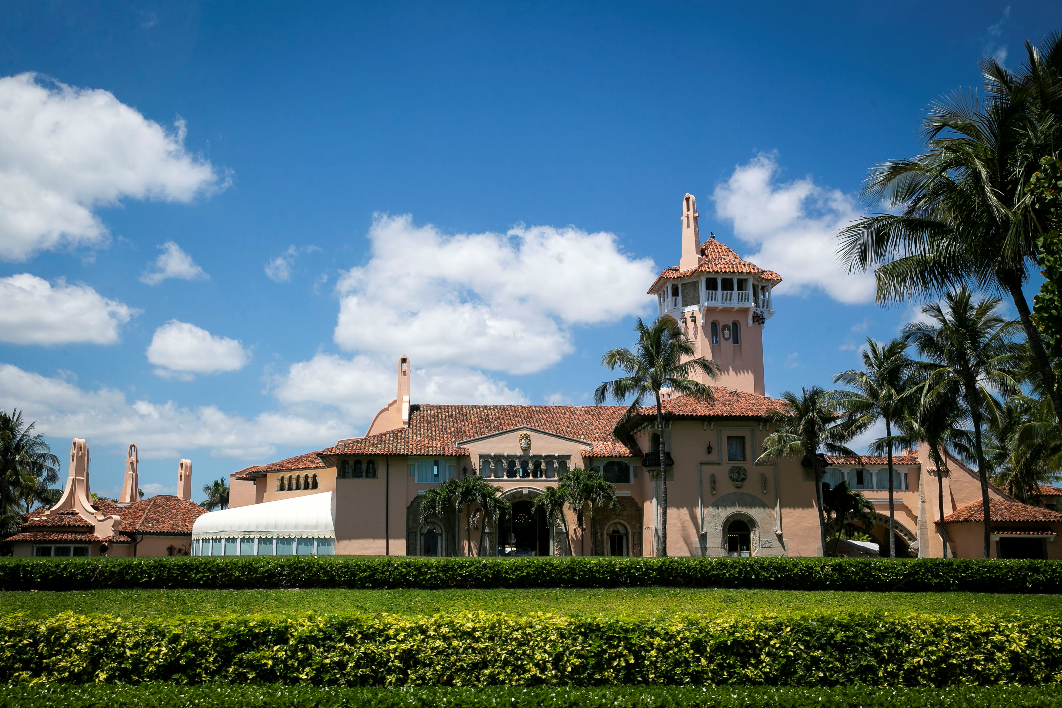 The Mar-a-Lago club, where U.S. President Donald Trump is spending Easter weekend, in Palm Beach, Florida, U.S., April 21, 2019. REUTERS/Al Drago