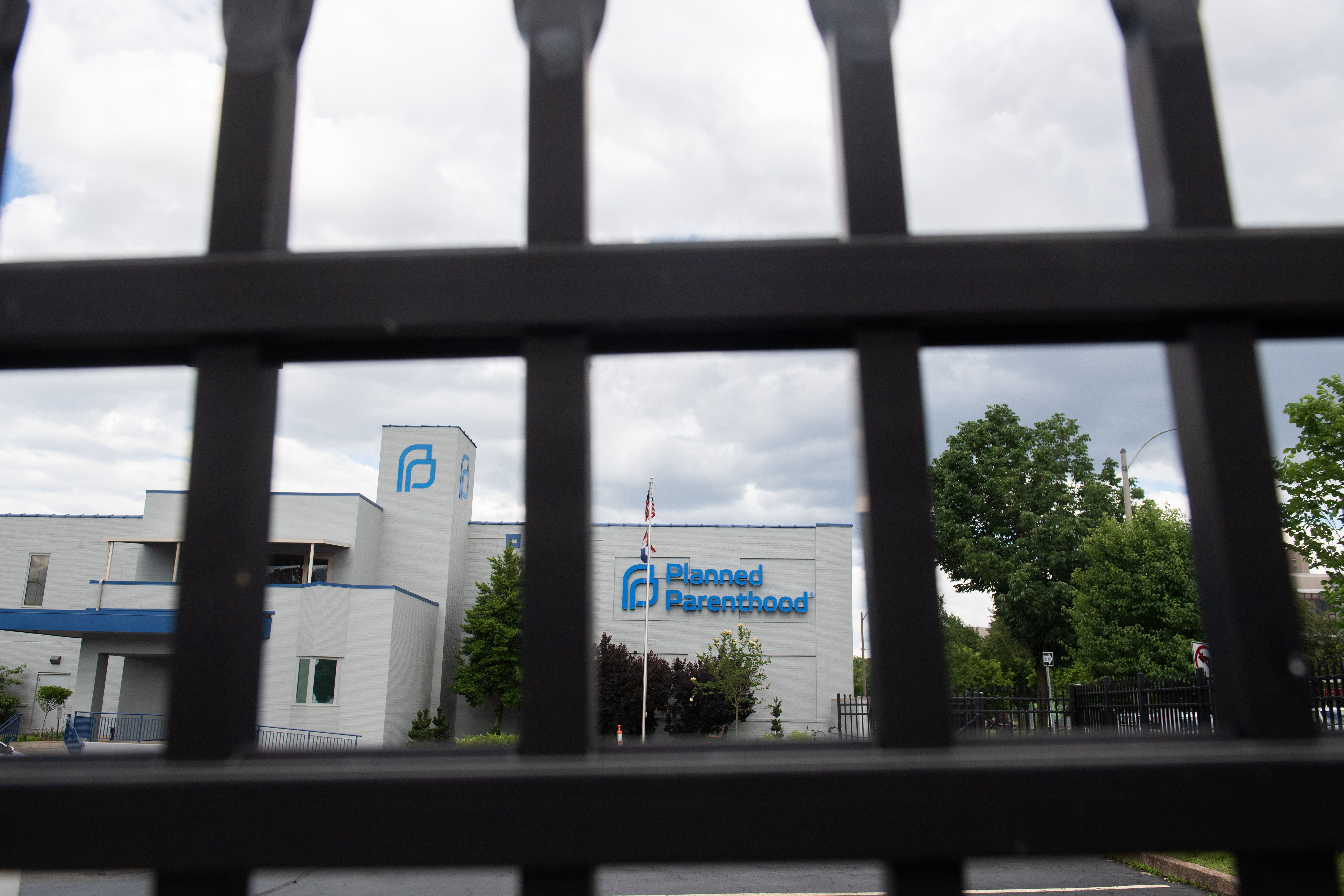 The outside of the Planned Parenthood Reproductive Health Services Center is seen through a gate in St. Louis, Missouri, May 30, 2019, the last location in the state performing abortions. - A US court weighed the fate of the last abortion clinic in Missouri on May 30, with the state hours away from becoming the first in 45 years to no longer offer the procedure amid a nationwide push to curtail access to abortion. (Photo by SAUL LOEB / AFP) (Photo credit should read SAUL LOEB/AFP via Getty Images)