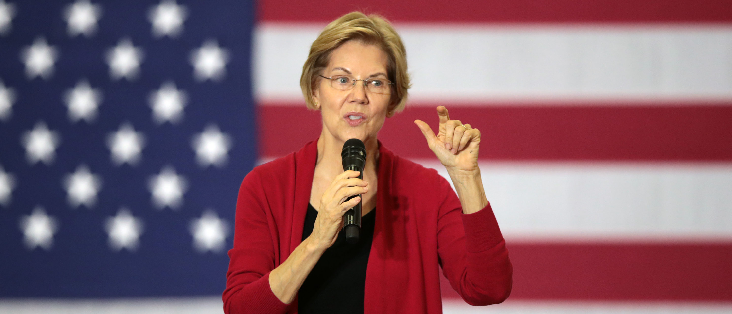 Democratic presidential candidate Sen. Elizabeth Warren (D-MA) speaks to guests during a campaign stop at Hempstead High School on Nov. 2, 2019 in Dubuque, Iowa. (Scott Olson/Getty Images)