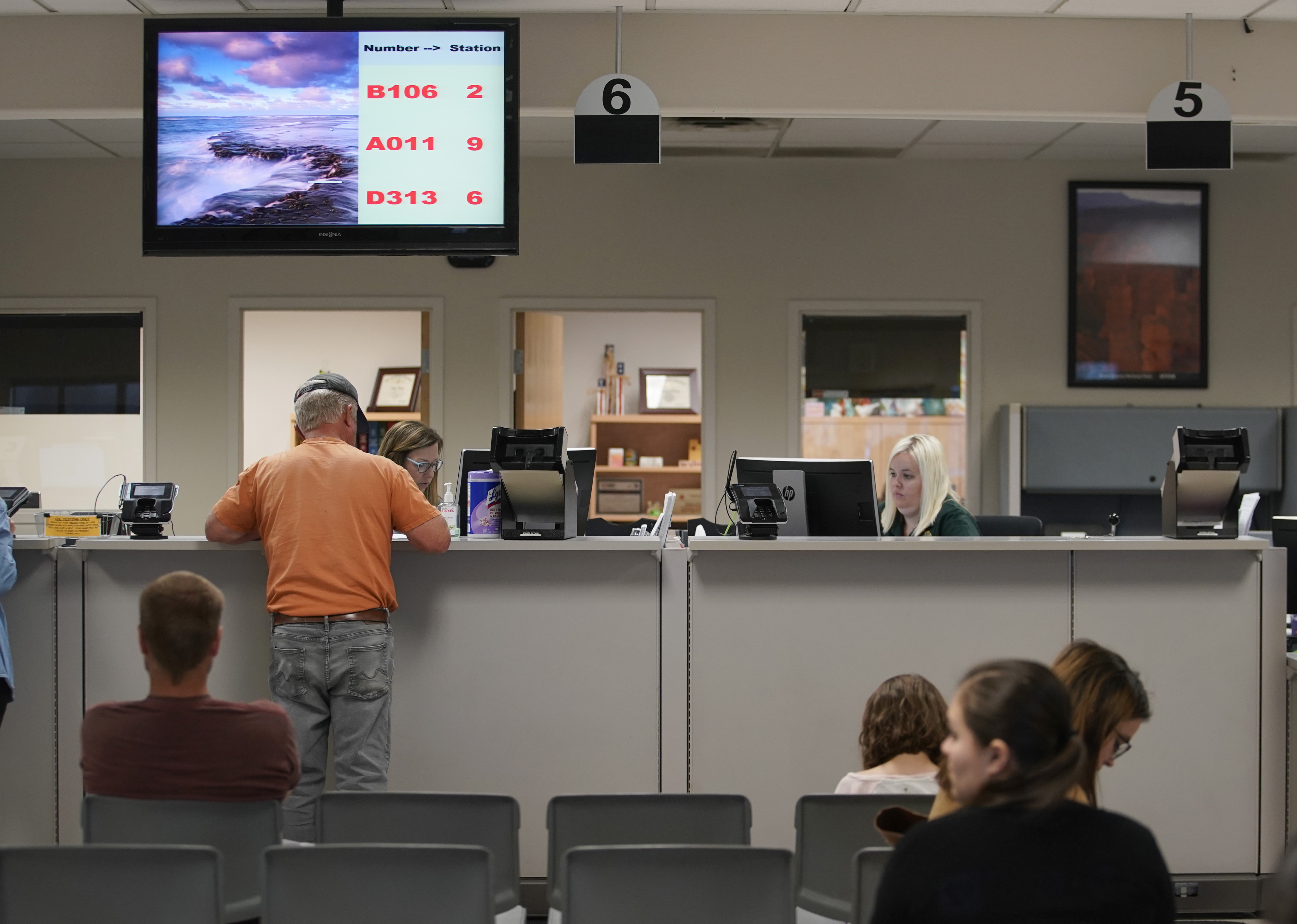 FBI and ICE Use State DMV Databases For Federal Facial Recognition Searches