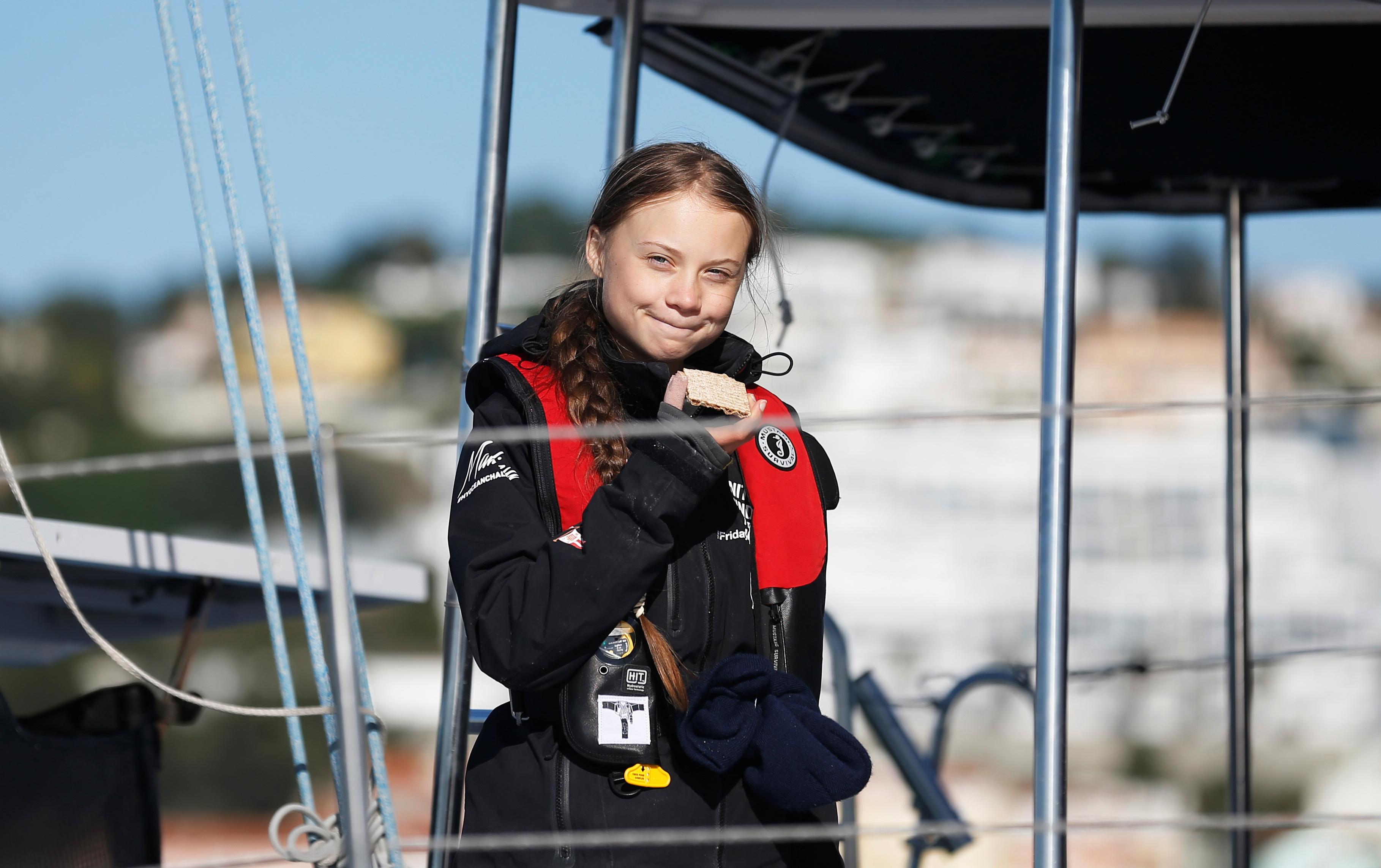 Climate change activist Greta Thunberg arrives aboard the yacht La Vagabonde at Santo Amaro port in Lisbon, Portugal December 3, 2019. REUTERS/Rafael Marchante - RC2NND96P05W