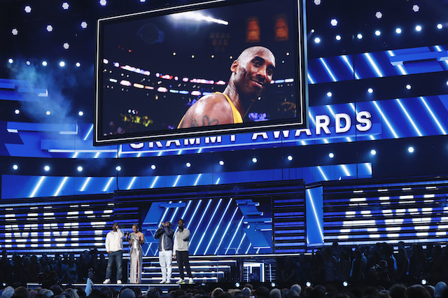 62nd Grammy Awards - Show - Los Angeles, California, U.S., January 26, 2020 - Show host Alicia Keys performs with Boyz II Men under an image of the late NBA basketball player Kobe Bryant. REUTERS/Mario Anzuoni