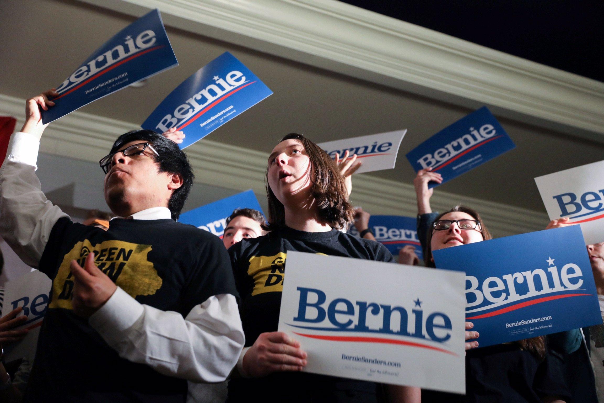 Supporters cheer as Democratic U.S. presidential candidate Senator Bernie Sanders hosts a climate rally with Rep. Rashida Tlaib and Rep. Ro Khanna in Iowa City, Iowa, U.S. Jan. 12, 2020. REUTERS/Scott Morgan