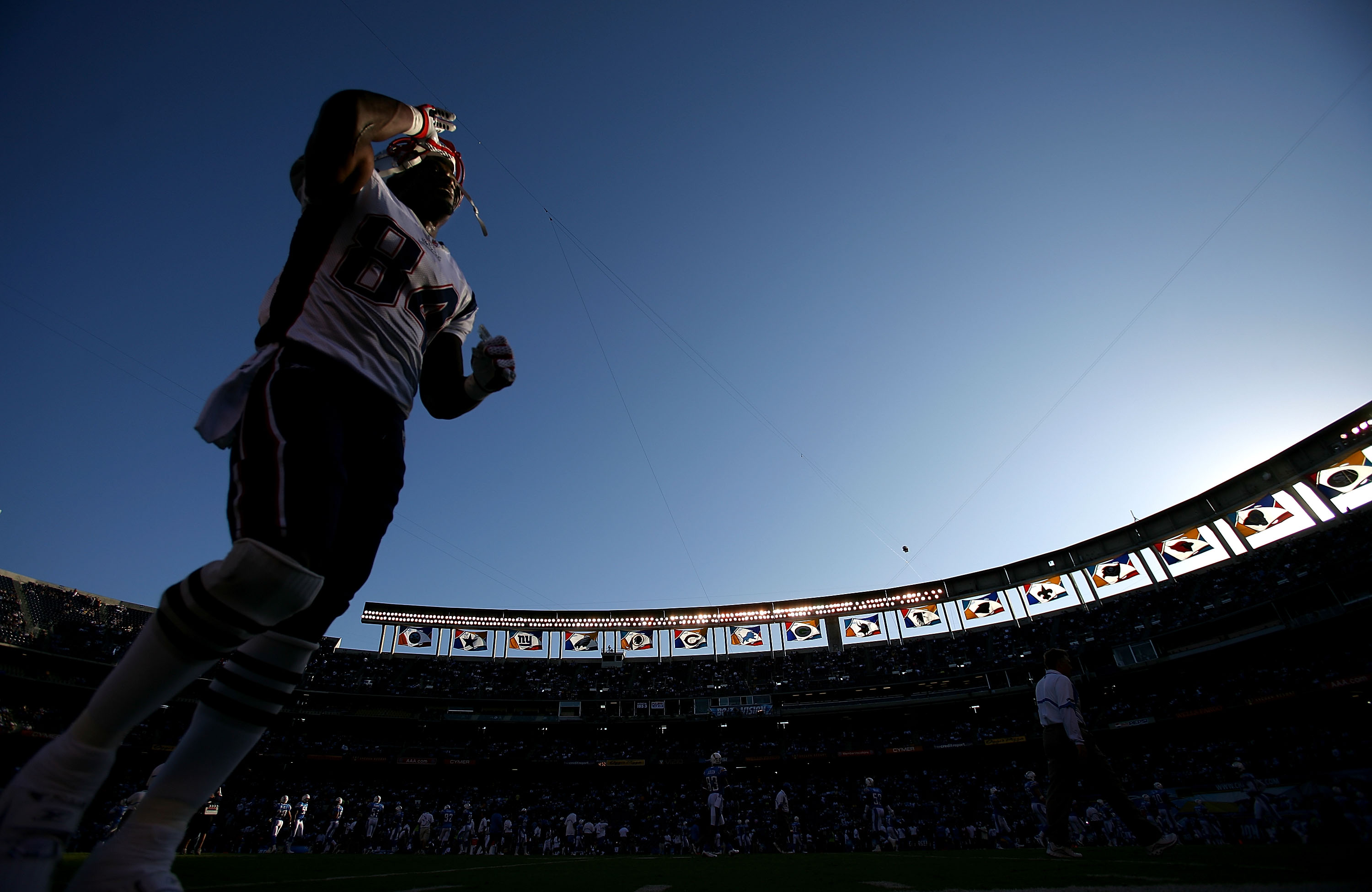 SAN DIEGO - OCTOBER 12: Tight End Benjamin Watson #84 of the New England Patriots walks on the field before the start of their NFL Game against the San Diego Chargers on October 12, 2008 at Qualcomm Stadium in San Diego, California. (Photo by Donald Miralle/Getty Images)