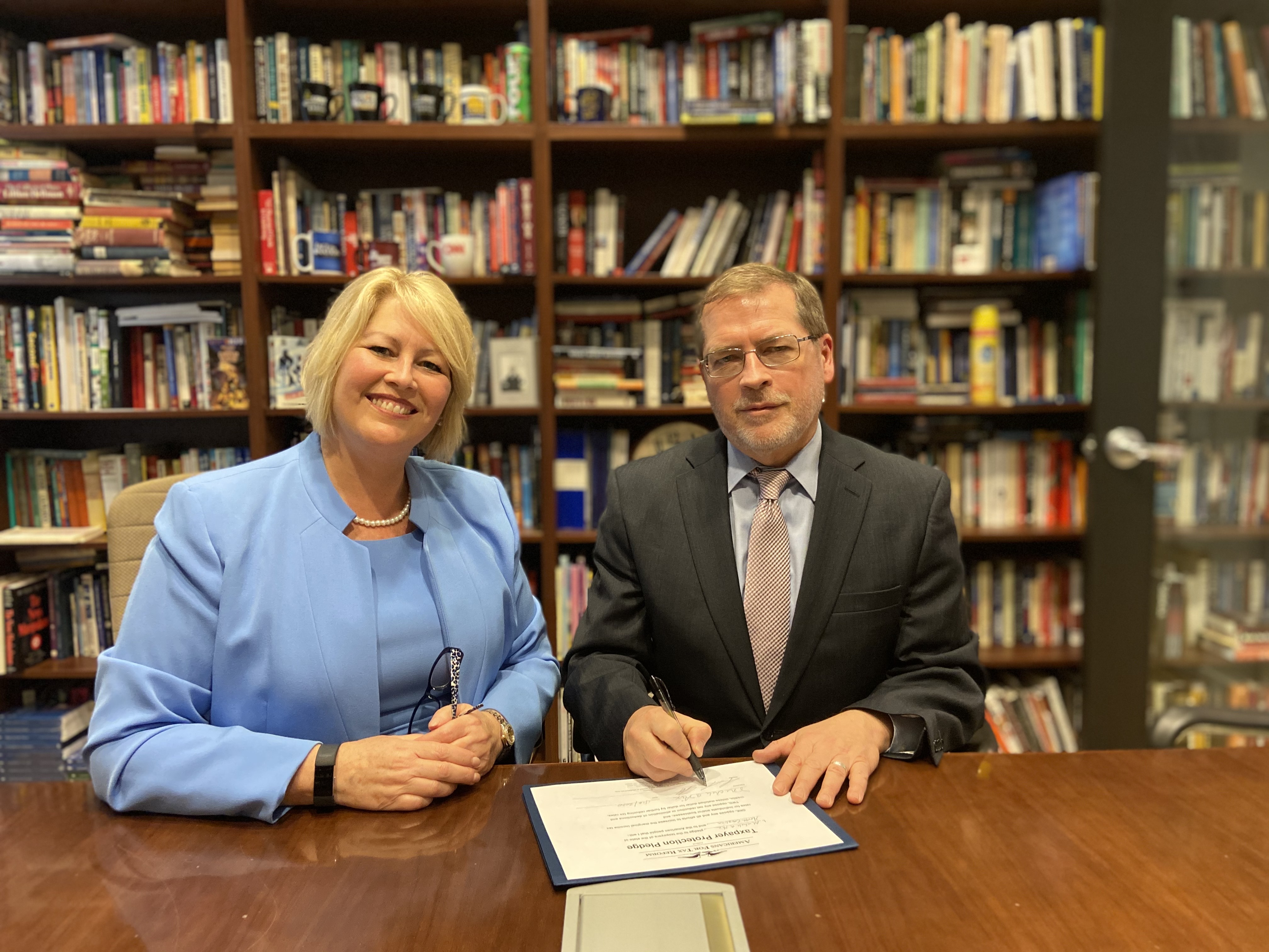 Michele Nixsigns the Taxpayer Protection Pledge, becoming the first in her district to do so. She met with Grover Norquist, President of Americans for Tax Reform, while in DC to discuss tax reform in the district.