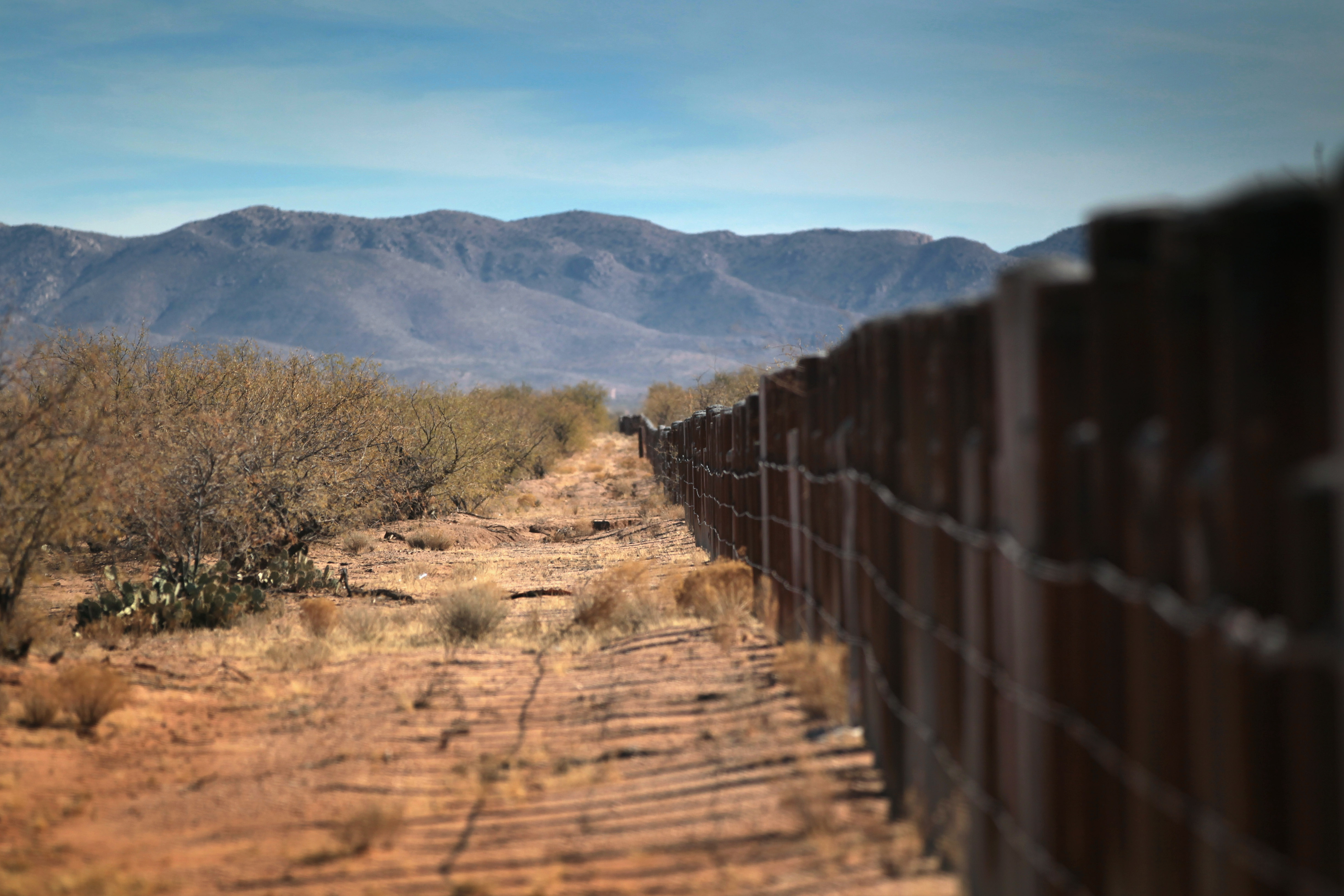 "Native American ""Shadow Wolves"" Track Smugglers and Immigrants Through Desert"