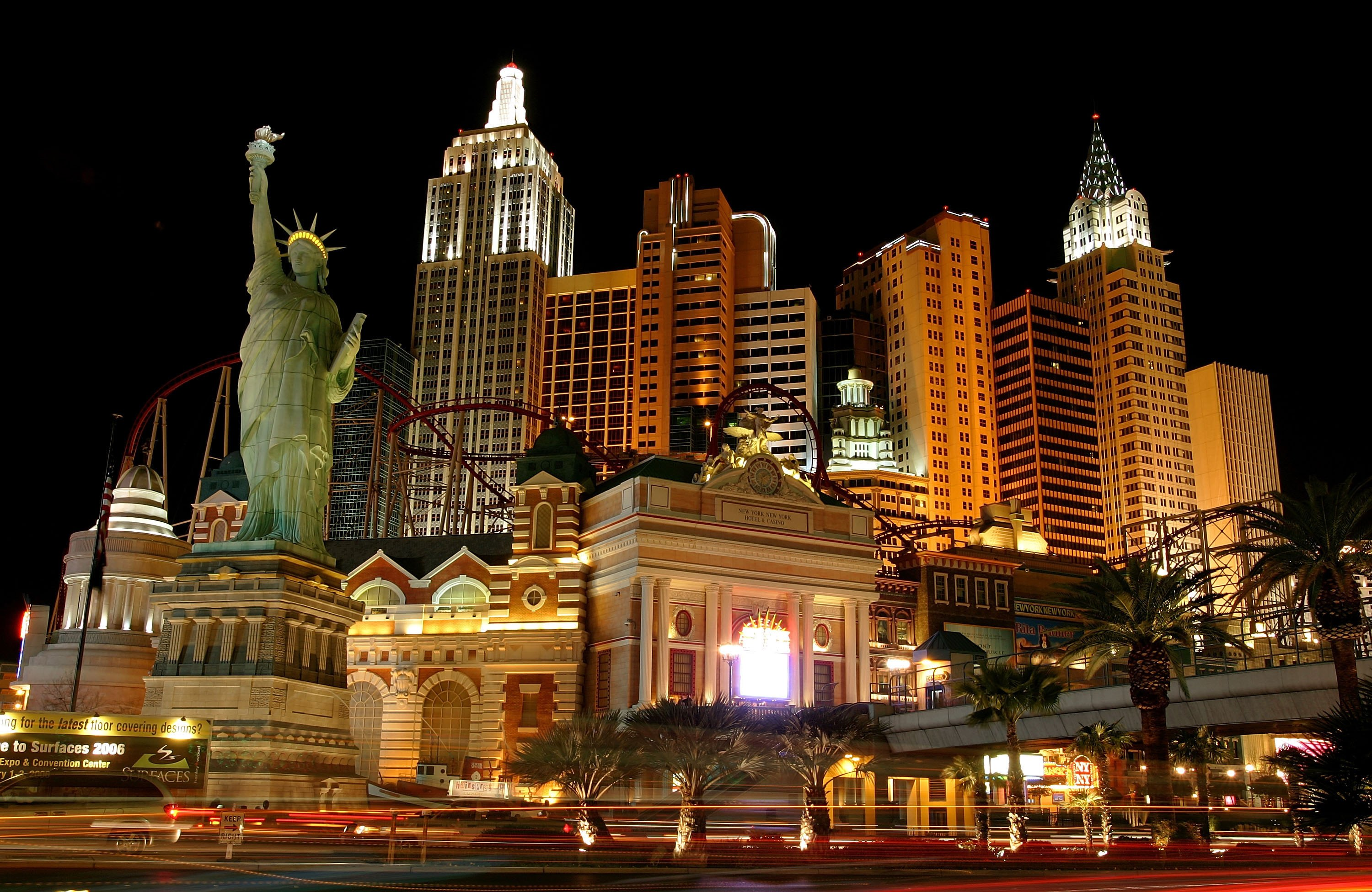 LAS VEGAS - FEBRUARY 01: Exterior photo of the New York-New York Hotel & Casino February 1, 2006 in Las Vegas, Nevada. (Photo by Ethan Miller/Getty Images)