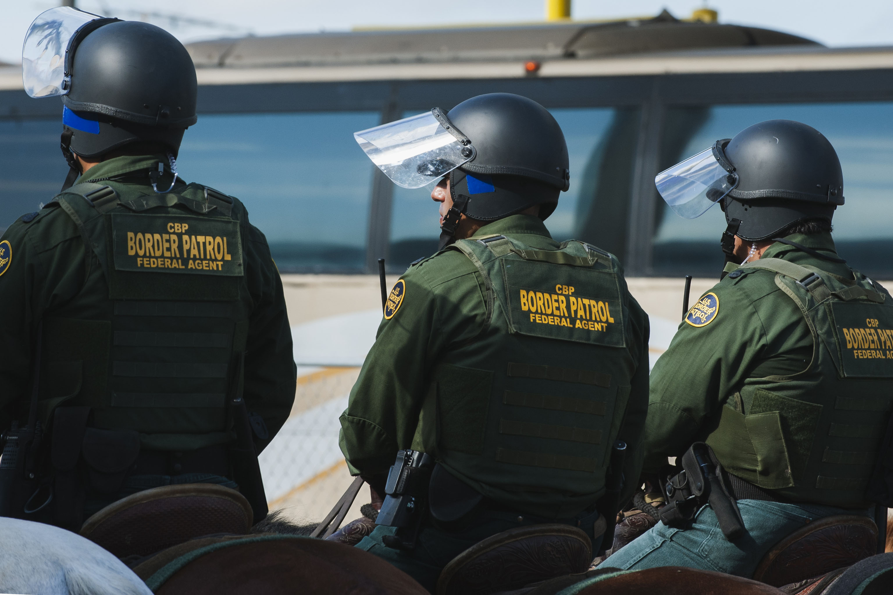TOPSHOT-US-MEXICO-BORDER-SECURITY-IMMIGRATION (ANDREW CULLEN/AFP via Getty Images)