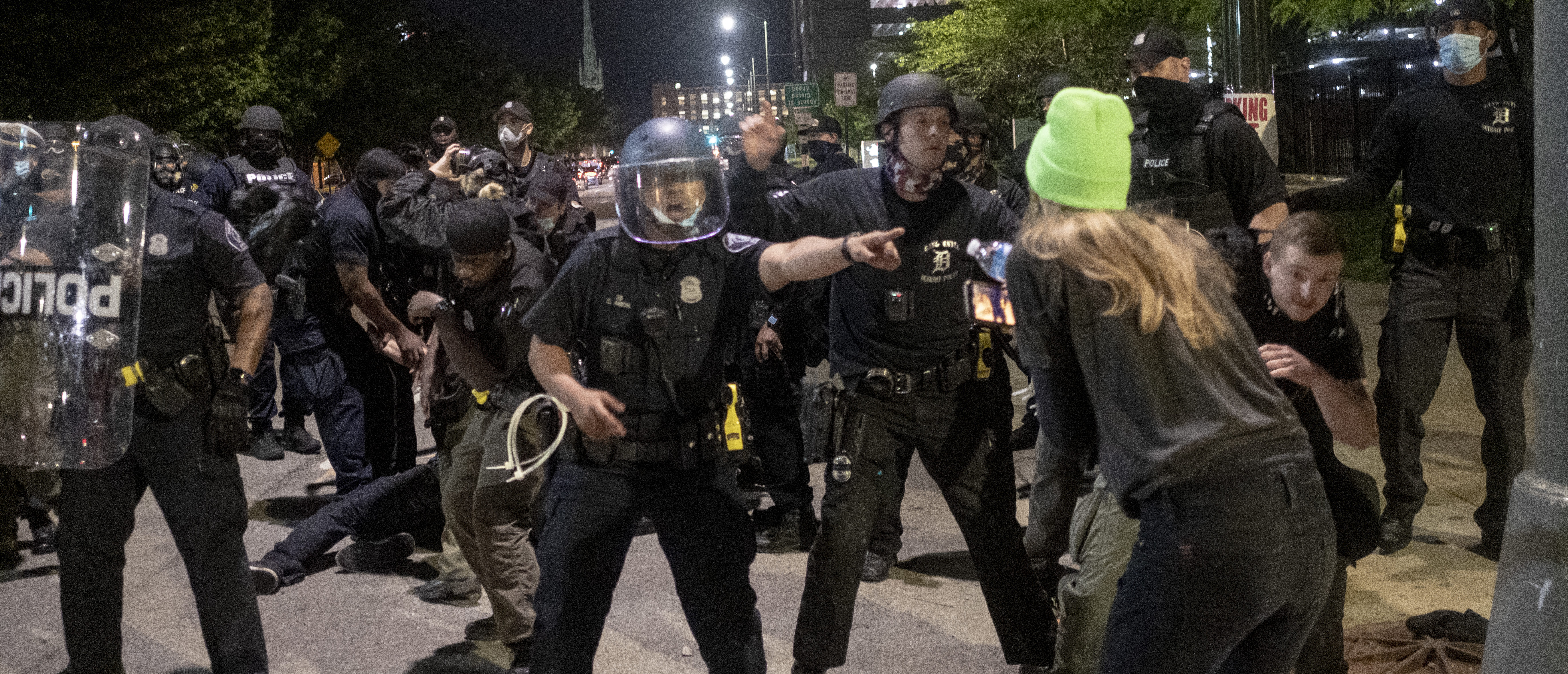 DETROIT, MI - MAY 30: Police officer shouts instructions during a night of clashes between protesters and Detroit Police Officers, violence returned to downtown Detroit as police made dozens of arrests and fired tear gas and rubber bullets at protesters on May 30, 2020 in Detroit, Michigan. The ongoing protests in Detroit come as a nationwide movement to protest the death of 46 year-old George Floyd at the hands of police in Minneapolis, Minnesota. (Photo by Matthew Hatcher/Getty Images)