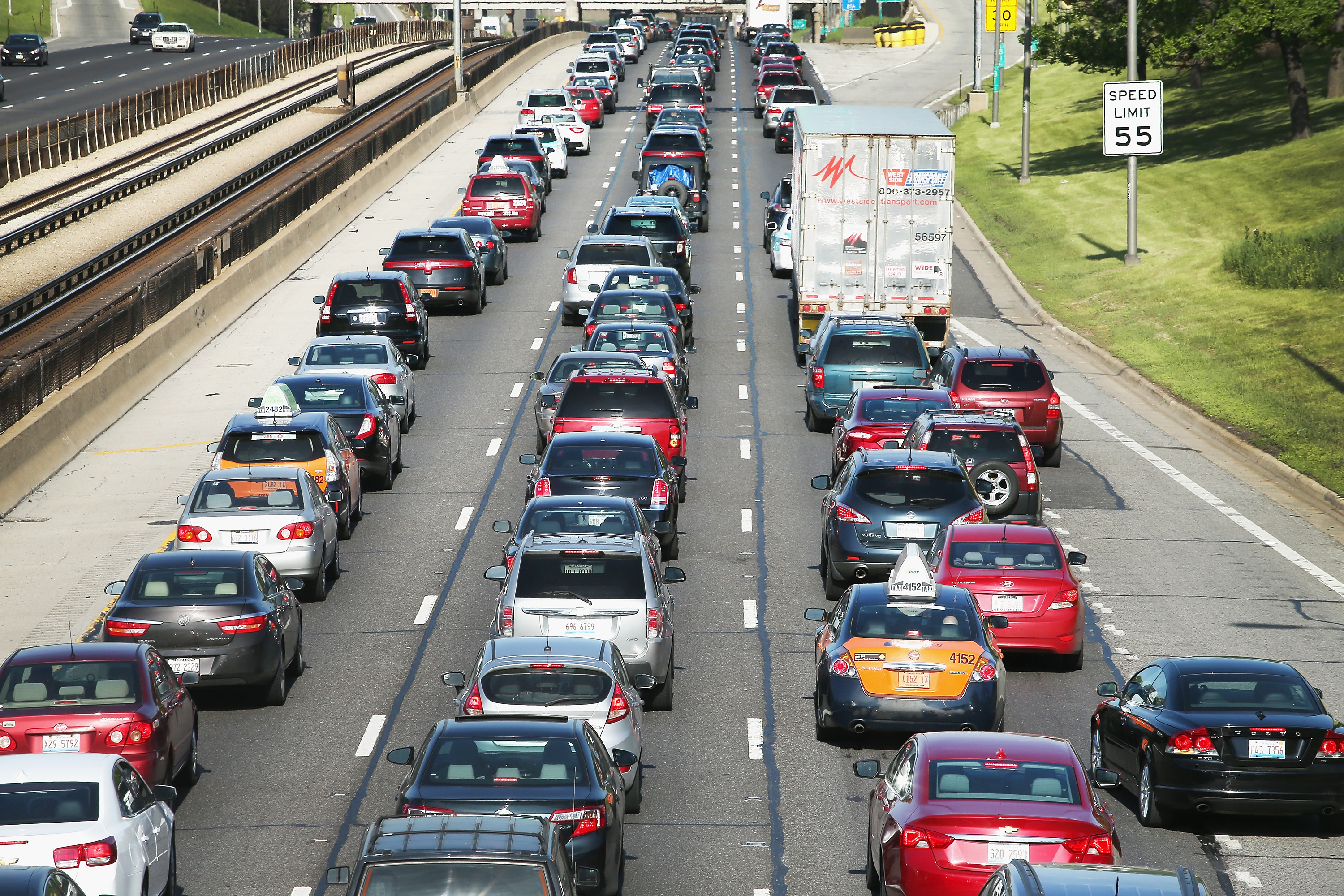 Traffic jams up on the Kennedy Expressway leaving the city for the Memorial Day weekend on May 23, 2014 in Chicago, Illinois. (Photo by Scott Olson/Getty Images)