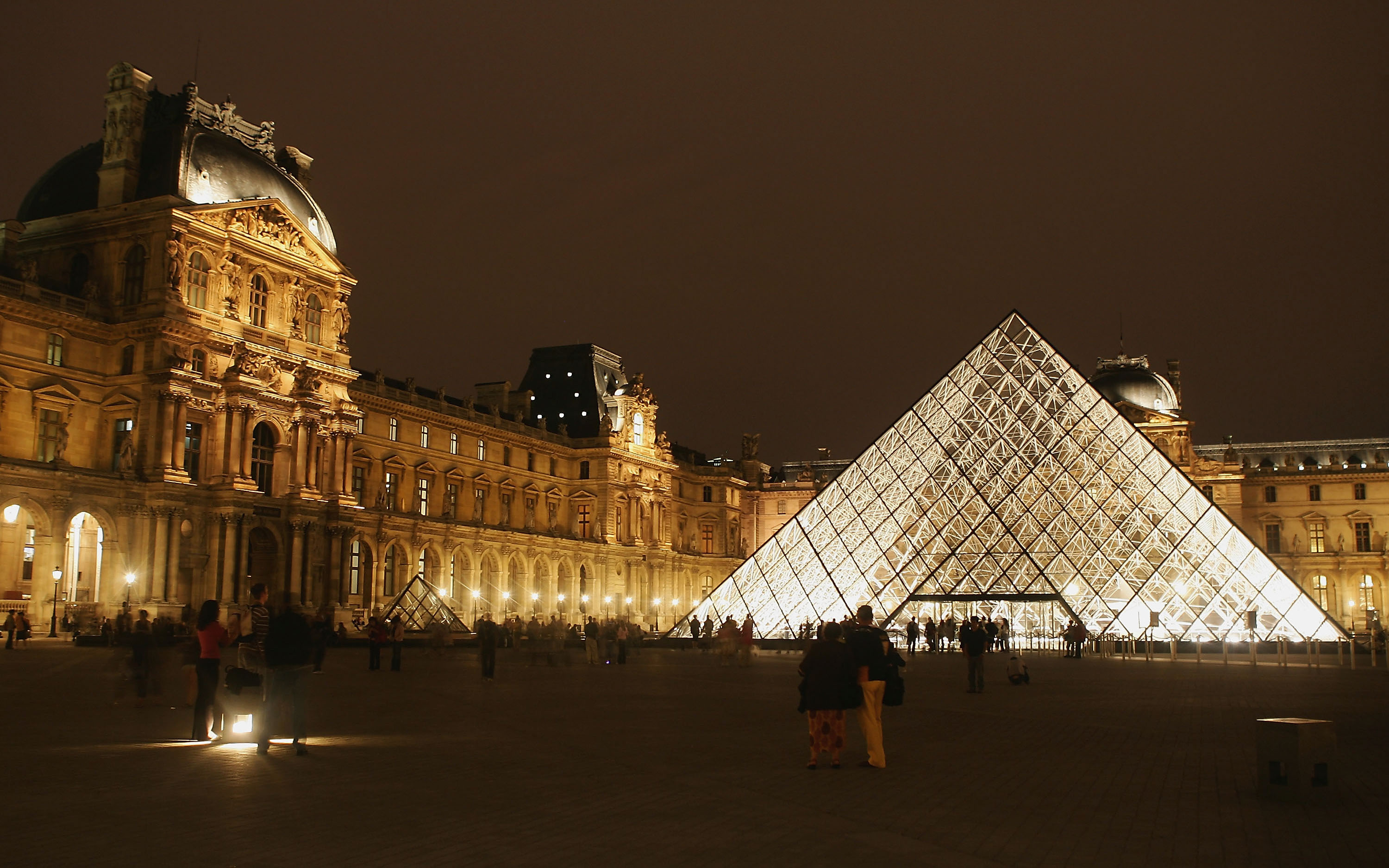 The Pyramide of the Louvre museum designed by I.M. Pei is seen on August 24, 2005 in Paris, France. (Photo by Pascal Le Segretain/Getty Images)