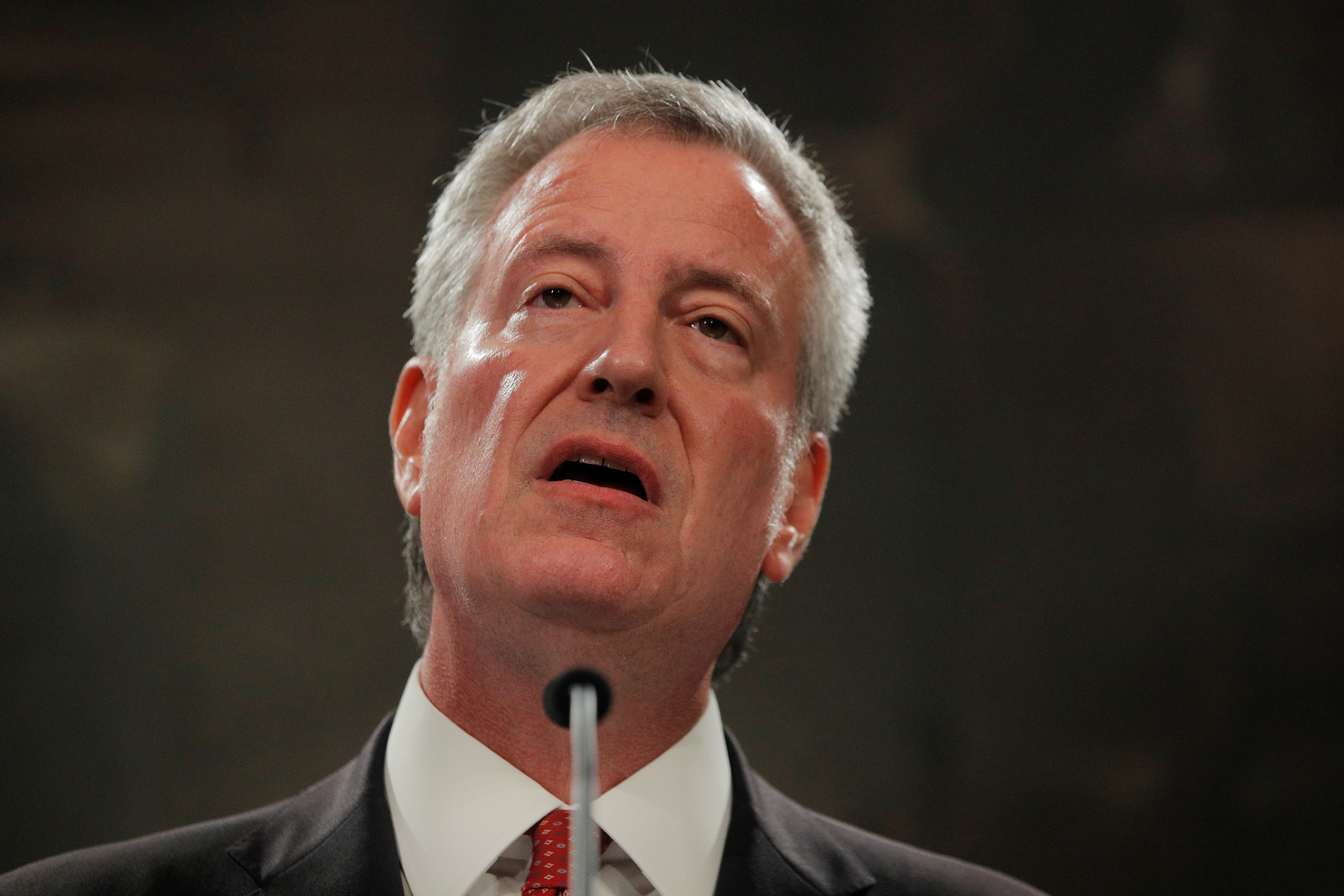 New York City Mayor Bill de Blasio speaks to the news media after a New York Police Department (NYPD) disciplinary judge recommended the firing of officer Daniel Pantaleo, who used a fatal chokehold on unarmed black man Eric Garner during an arrest in 2014, at city hall in New York, U.S. August 2, 2019. REUTERS/Brendan McDermid