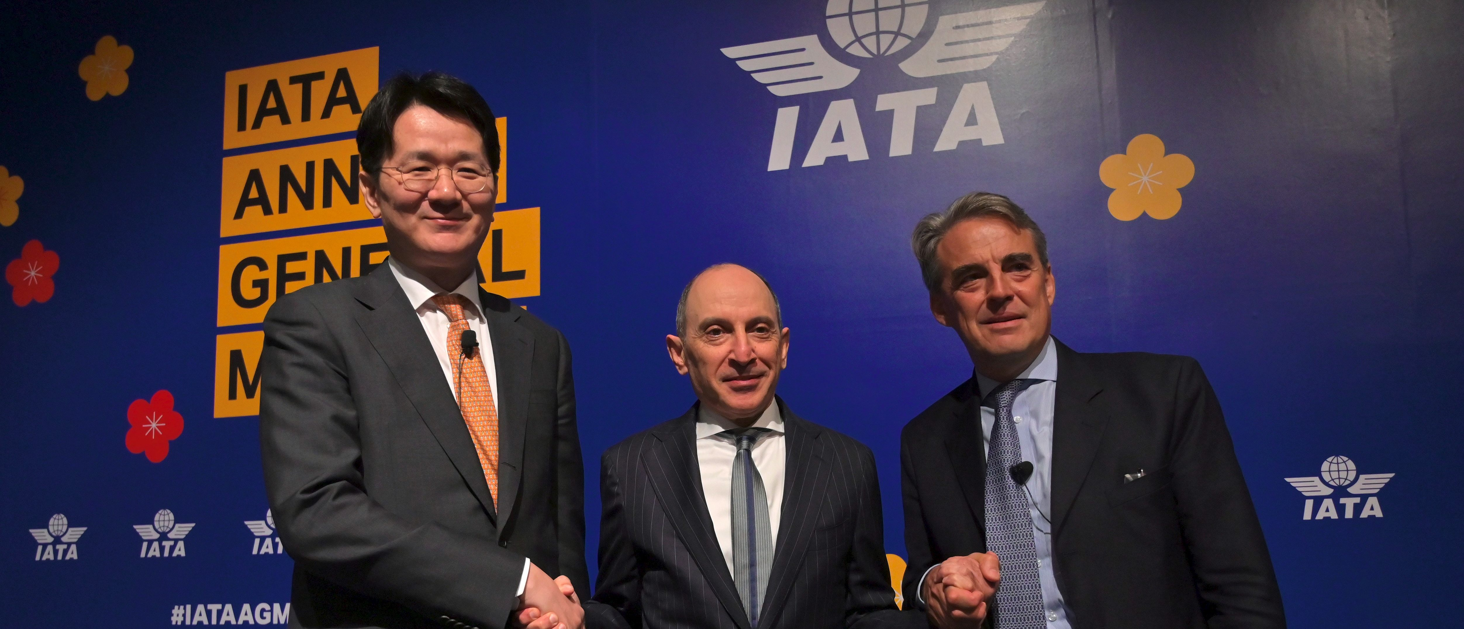 International Air Transport Association (IATA) chief executive Alexandre de Juniac (R) poses with Qatar Airways chief executive Akbar Al Baker (C) and Korean Air chief executive Walter Cho (L) during a press conference after the opening session of the annual general meeting of IATA in Seoul on June 2, 2019. - Intensifying trade wars and rising fuel prices will continue to bog down airline profits this year, the International Air Transport Association said on June 2. (Photo by Jung Yeon-je / AFP) (Photo credit should read JUNG YEON-JE/AFP via Getty Images)