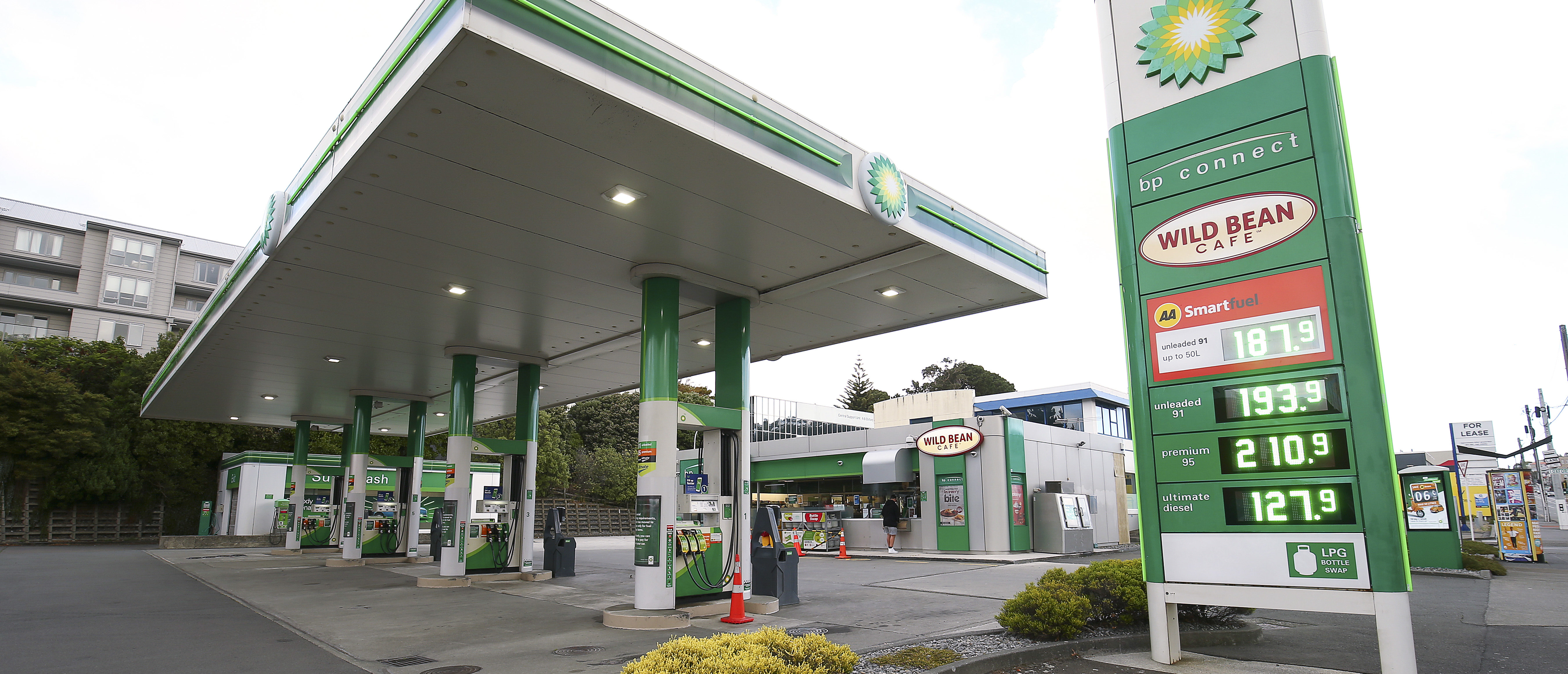 WELLINGTON, NEW ZEALAND - APRIL 11: A general view of petrol prices at BP petrol station on April 11, 2020 in Wellington, New Zealand. Petrol prices have fallen recently, largely due to a decline in demand. New Zealand has been in complete lockdown since Thursday 26 March to stop the spread of COVID-19 across the country. Under the COVID-19 Alert Level Four restrictions, New Zealanders are not allowed to leave their homes unless for exercise in their local area, or to get essential supplies. Offices, schools and childcare centres have been closed, along with bars, restaurants, cinemas and playgrounds. Essential services remain open, including supermarkets and pharmacies. Lockdown measures are expected to remain in place for at least four weeks, with Prime Minister Jacinda Ardern warning New Zealanders of zero tolerance for people ignoring the restrictions, with police able to enforce them if required. (Photo by Hagen Hopkins/Getty Images)