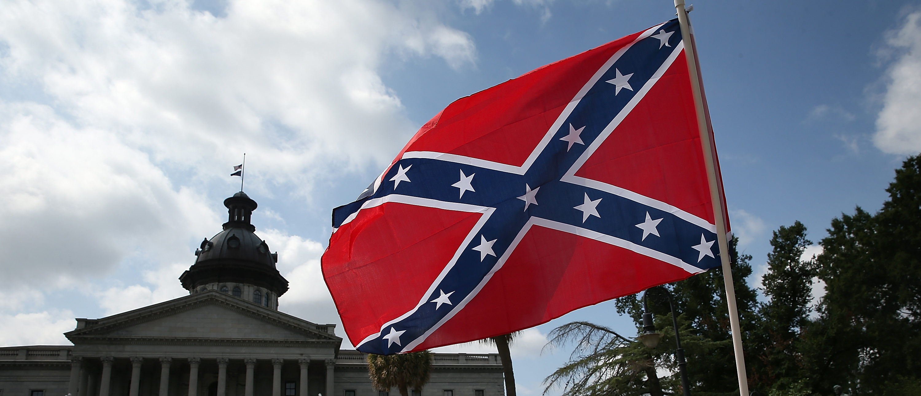 Pentagon Effectively Bans Confederate Flags On Military Property, Skirts Around Trump's Objections