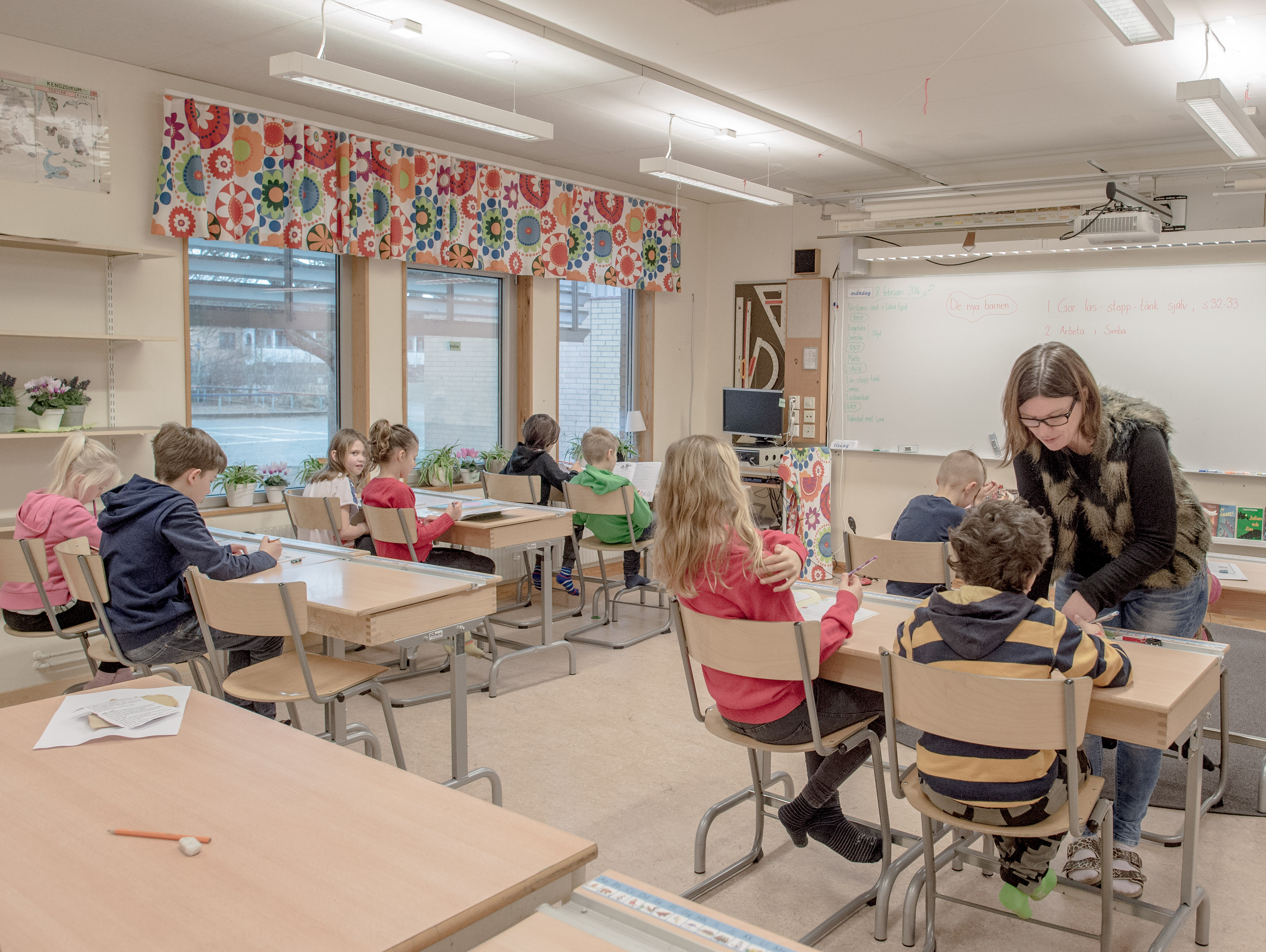 HALMSTAD, SWEDEN - FEBRUARY 08: Swedish students are seen in a classroom of a school on February 8, 2016 in Halmstad, Sweden. (Photo by David Ramos/Getty Images)