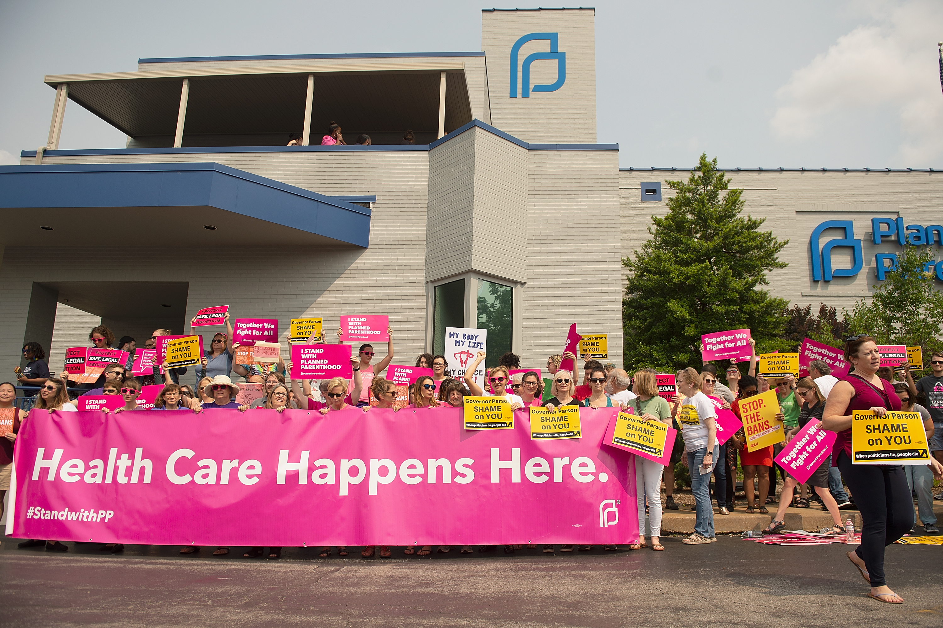 ST LOUIS, MO - MAY 31: Pro-Choice supporters, along with Planned Parenthood staff celebrate and rally outside the Planned Parenthood Reproductive Health Services Center on May 31, 2019 in St Louis, Missouri. (Photo by Michael Thomas/Getty Images)