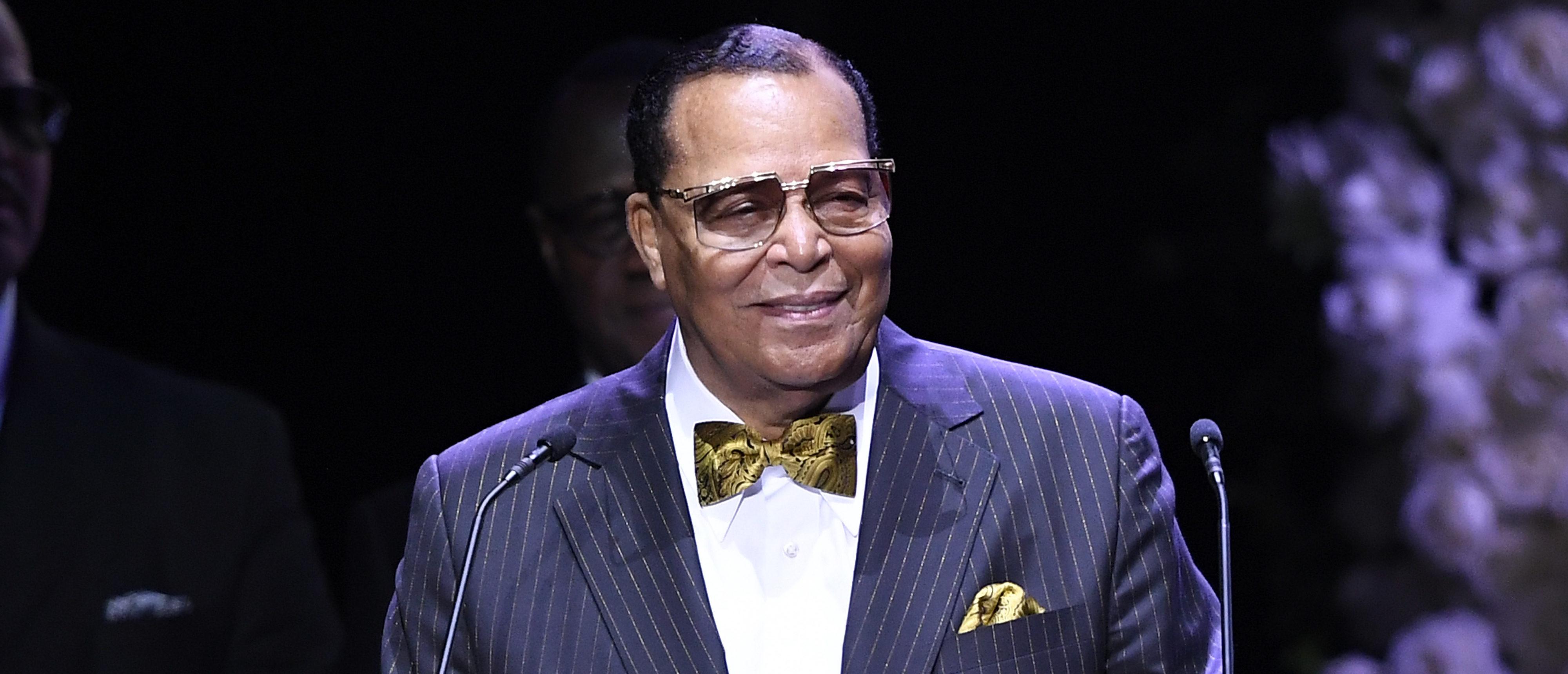 Farrakhan warns against 'toxic waste' vaccine…