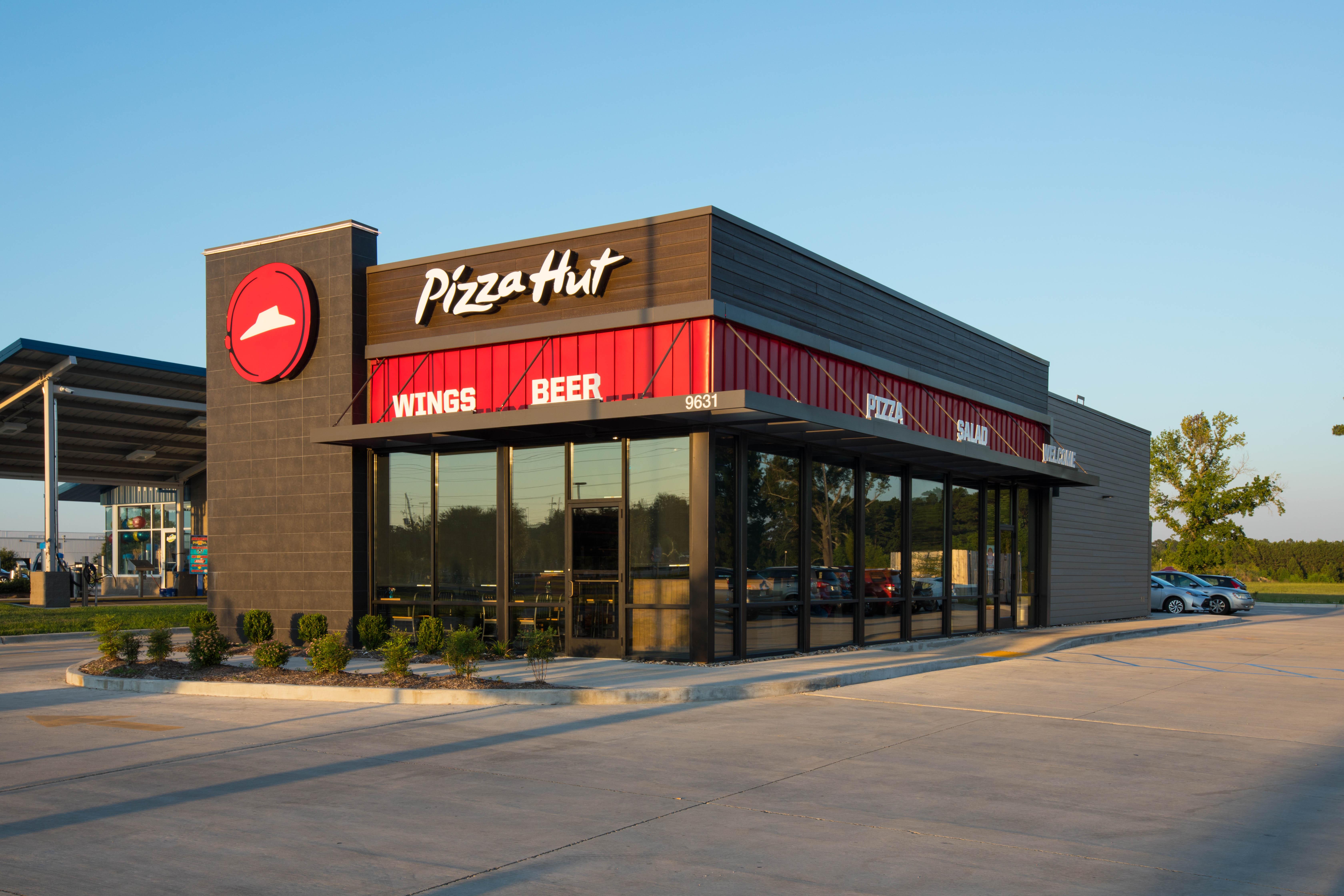 SHREVEPORT, LA - JUNE 29: Pizza Hut store in Shreveport, Louisiana on June 29, 2018. (Photo by Shannon O'Hara/Getty Images for Pizza Hut)