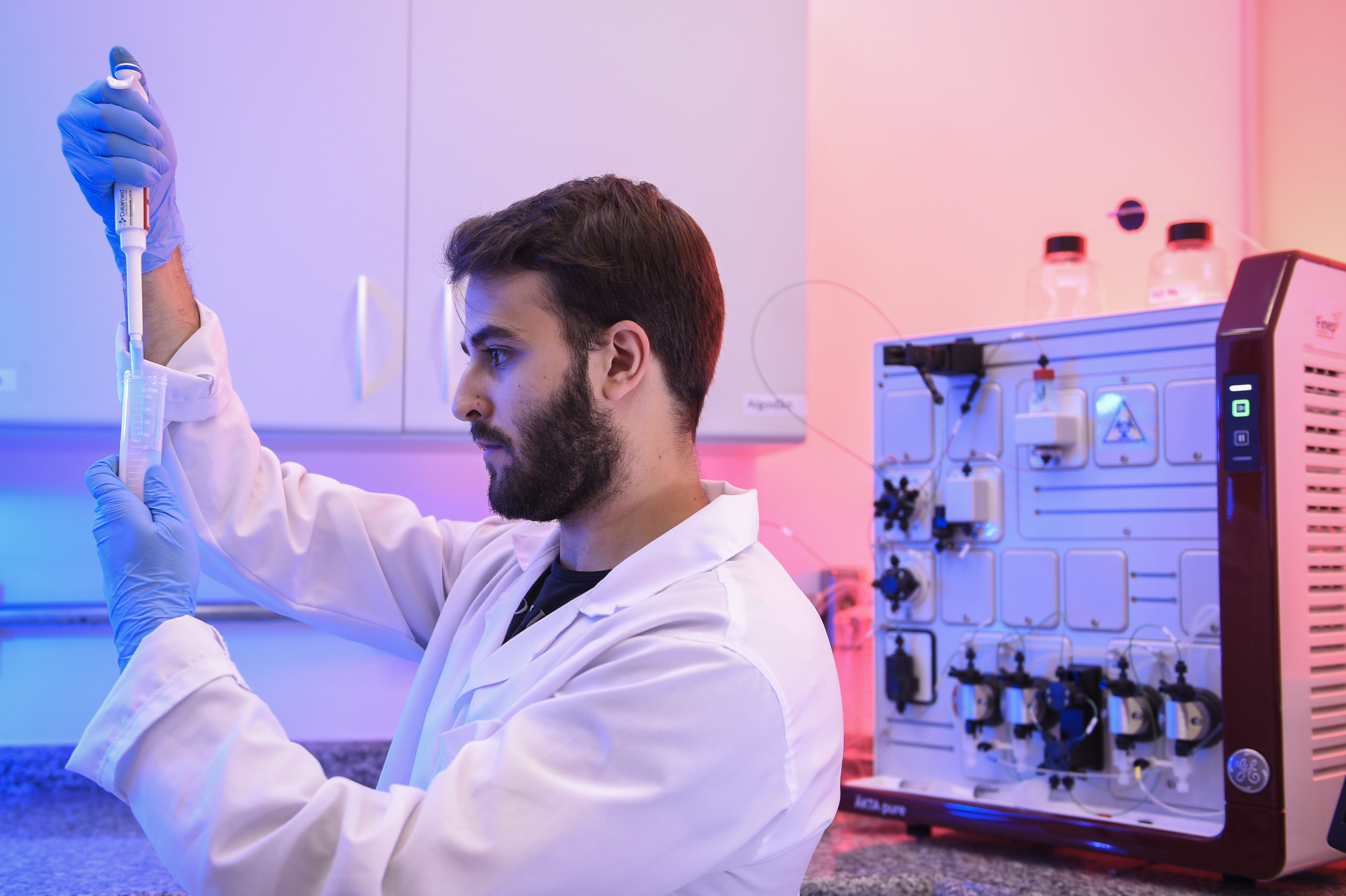 Bruno Cassaro de Andrade, a chemical engineering student, works with a test during the method of separating specific proteins to be applied in the production of vaccines on March 24, 2020 in Belo Horizonte, Brazil. The Ministry of Health convened The Technological Vaccine Center of the Federal University of Minas Gerais laboratory to conduct research on the coronavirus (COVID-19) in order to diagnose, test and develop a vaccine. According to the Ministry of Health, as of Tuesday, March 24, Brazil has 1.891 confirmed cases of the coronavirus (COVID-19) and at least 34 recorded deceases. (Photo by Pedro Vilela/Getty Images)