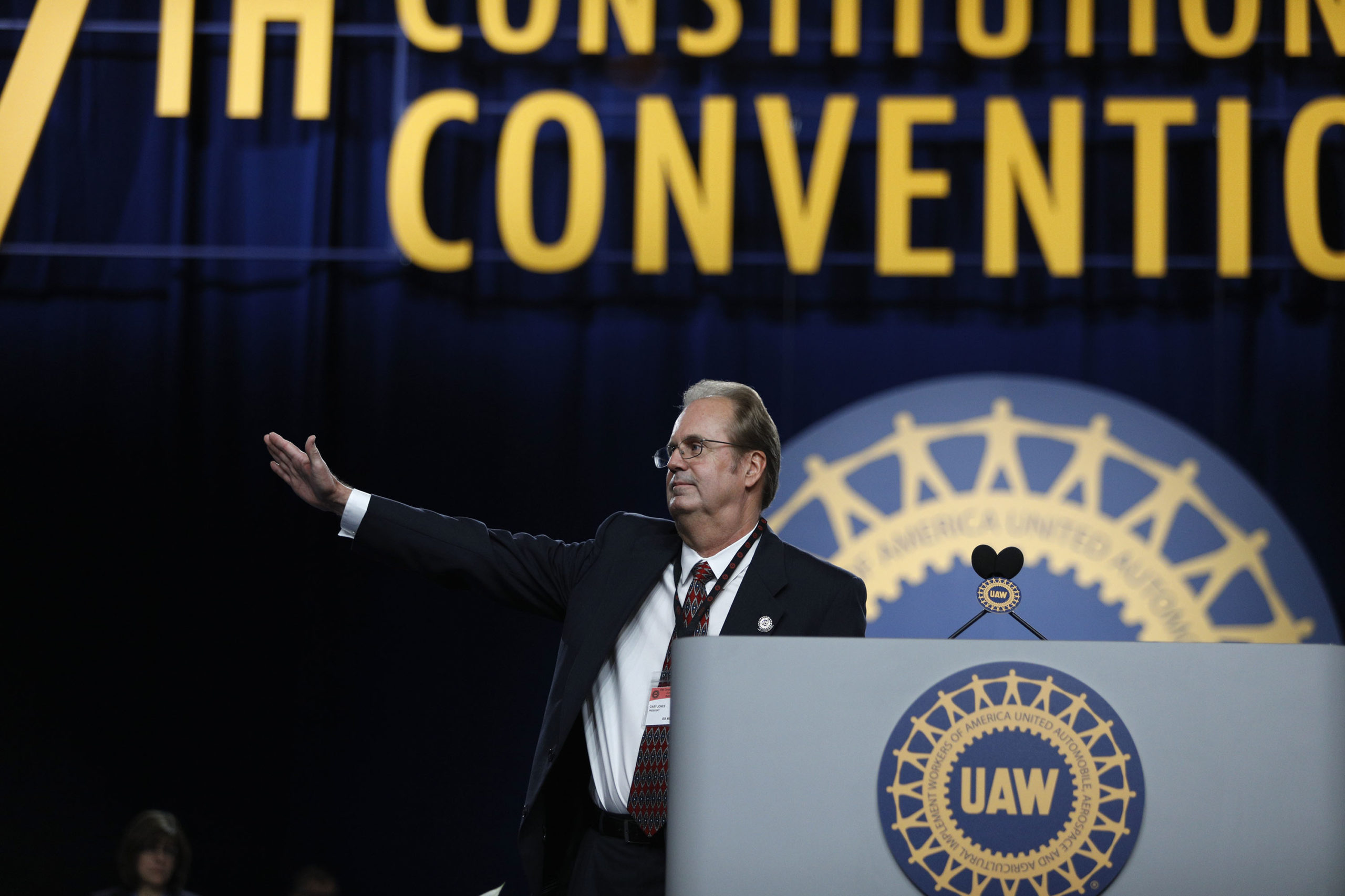Gary Jones, former president of the UAW, addresses the 37th UAW Constitutional Convention in 2018 at Cobo Center in Detroit, Michigan. (Bill Pugliano/Getty Images)