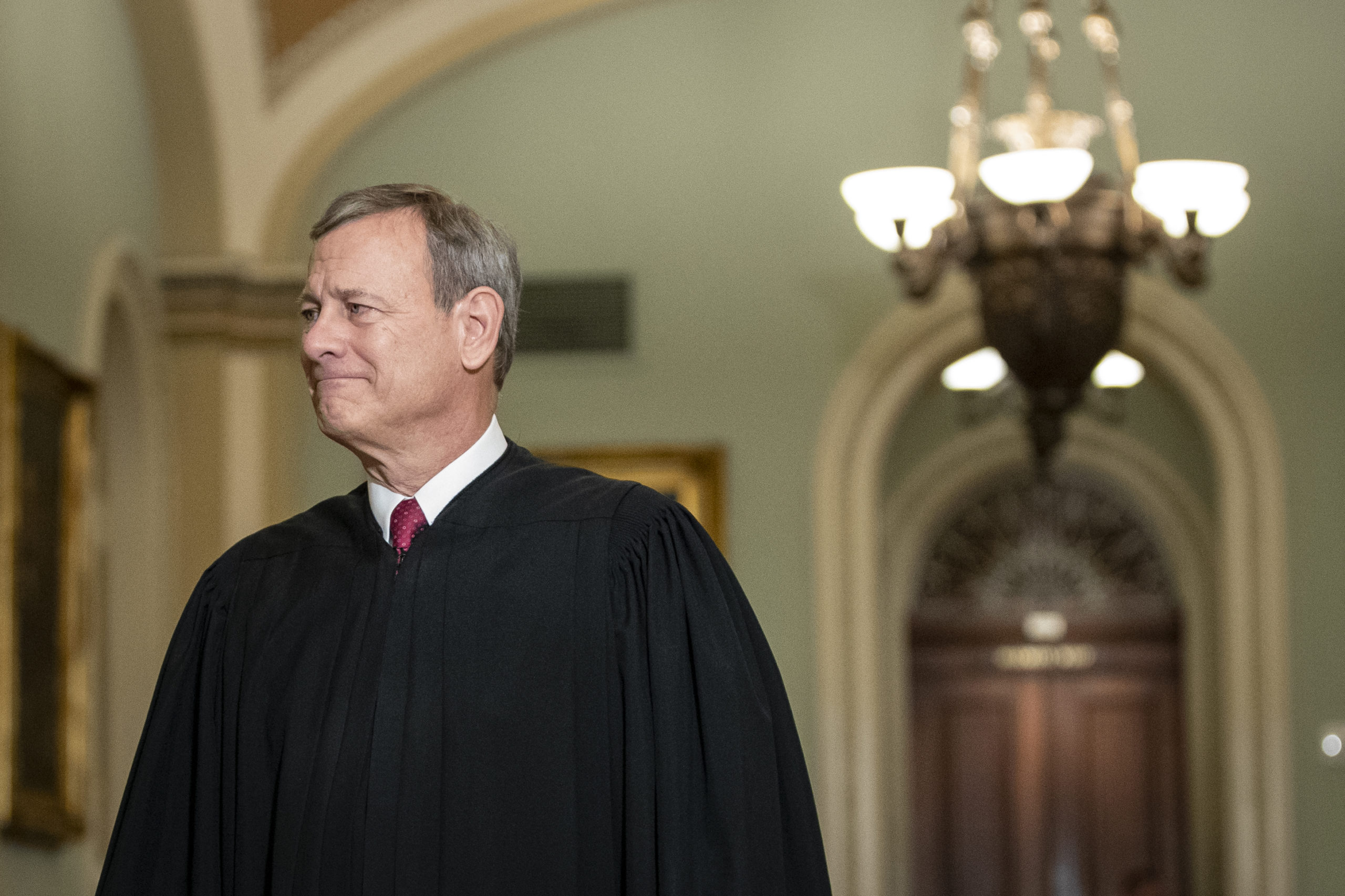WASHINGTON, DC JANUARY 16: Supreme Court Chief Justice John Roberts arrives to the Senate chamber for impeachment proceedings at the U.S. Capitol on January 16, 2020 in Washington, DC. On Thursday, the House impeachment managers will read the articles of impeachment against President Trump in the Senate chamber and the chief justice of the Supreme Court and every senator will be sworn in. (Photo by Drew Angerer/Getty Images)