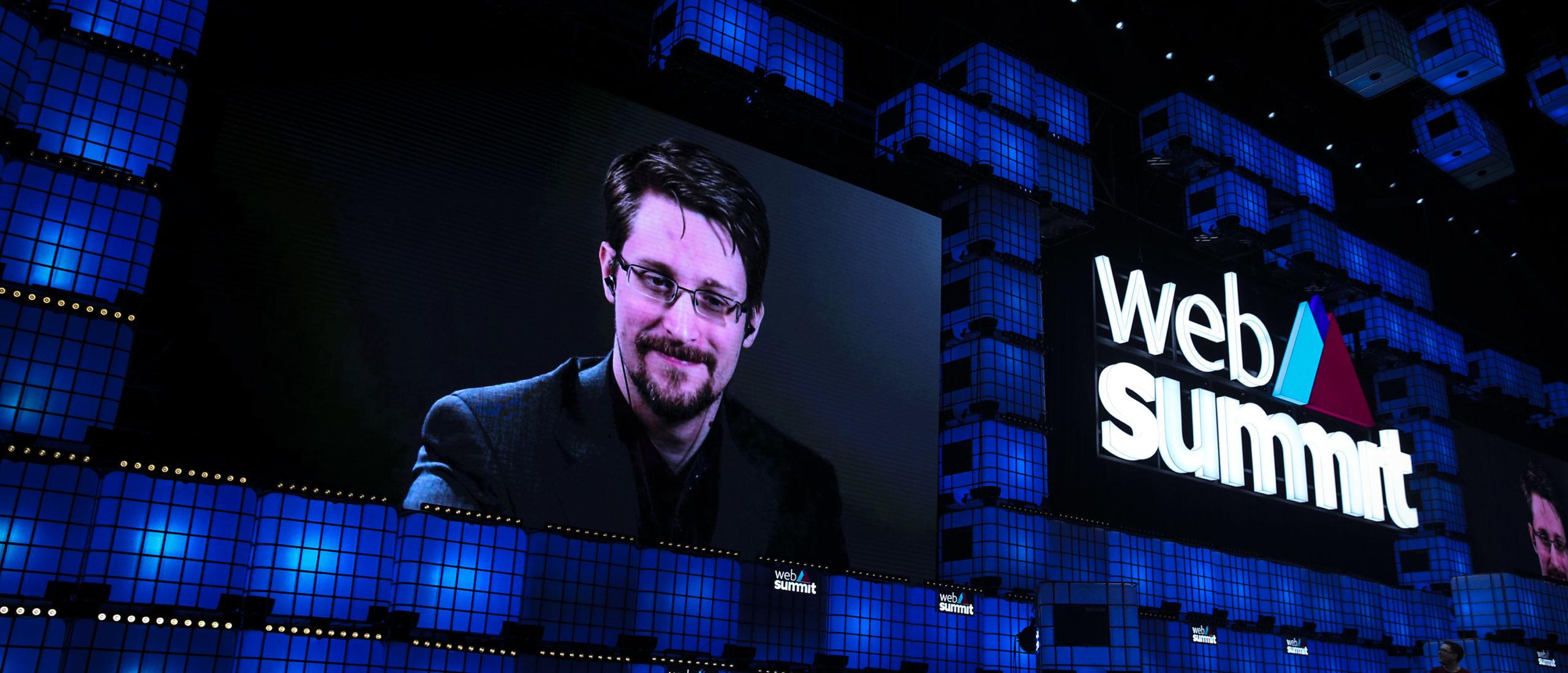 REPORT: GOP Lawmakers And Trump Allies Lobbying Trump To Pardon Edward Snowden thumbnail