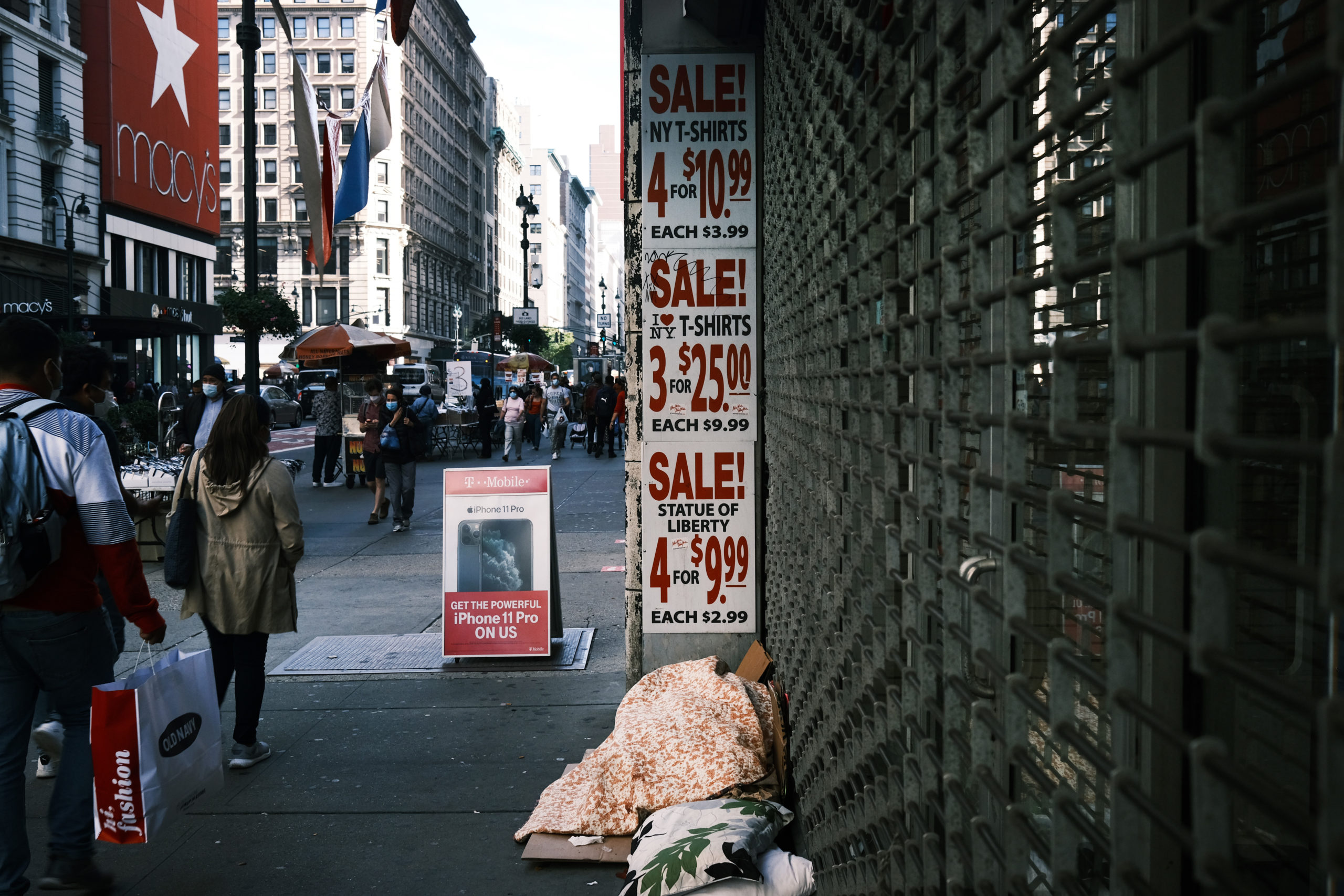 A New York City business advertises a sale in October. (Spencer Platt/Getty Images)