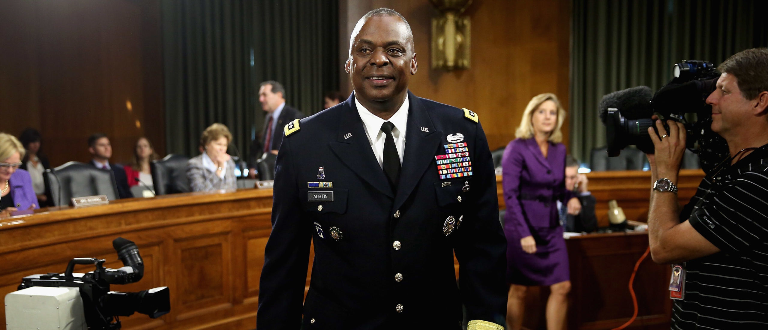 Gen. Lloyd Austin III, commander of U.S. Central Command, prepares to testify before the Senate Armed Services Committee about the ongoing U.S. military operations to counter the Islamic State in Iraq and the Levant (ISIL) during a hearing in the Dirksen Senate Office Building on Capitol Hill September 16, 2015 in Washington, DC. (Chip Somodevilla/Getty Images)