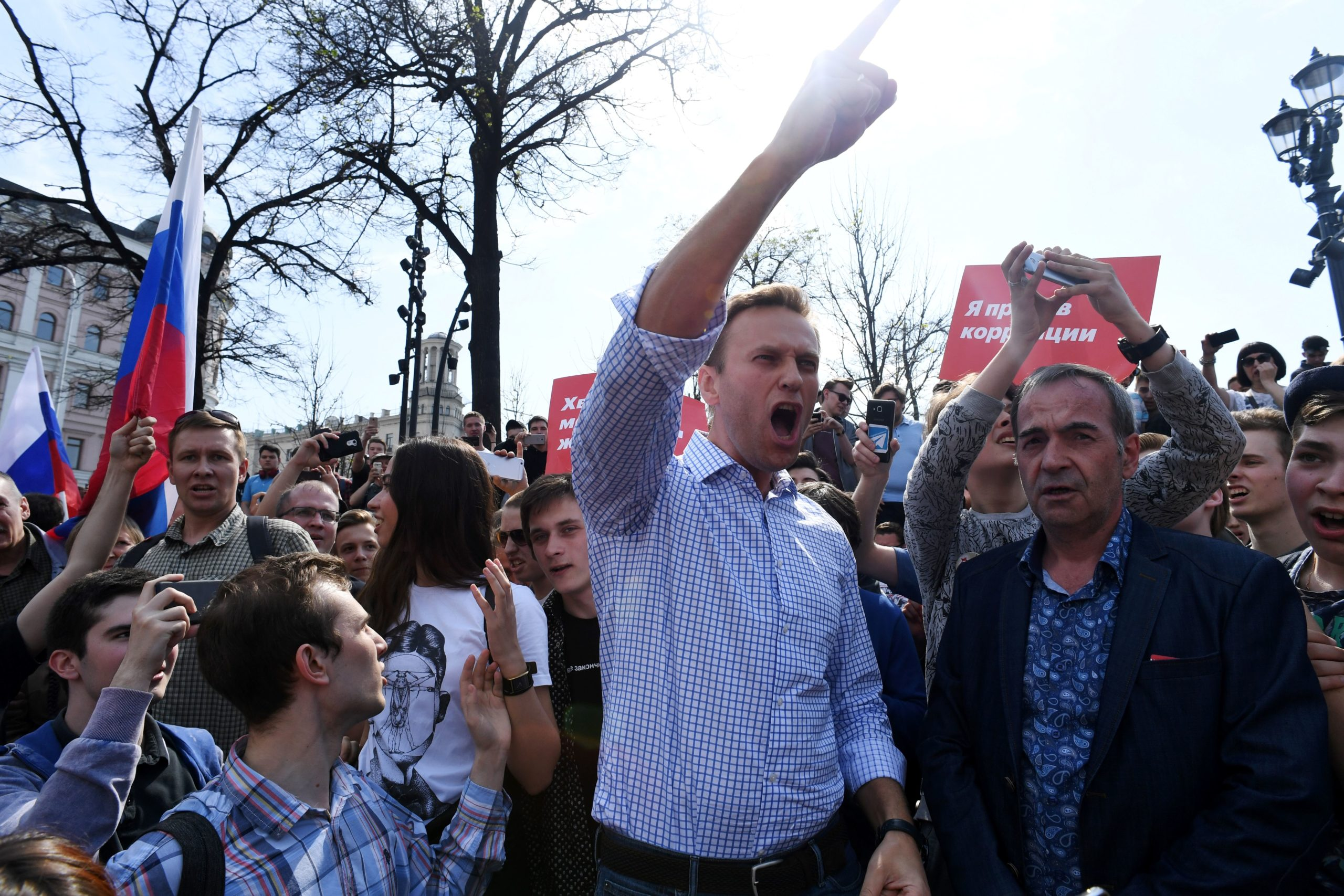 Russian opposition leader Alexei Navalny addresses a crowd during an anti-Putin rally on May 5, 2018 in Moscow, Russia. (Kirill Kudryavtsev/AFP via Getty Images)