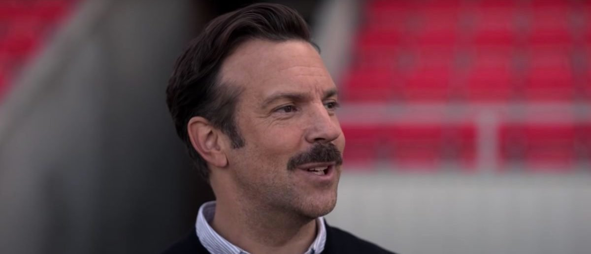REVIEW: 'Ted Lasso' Is An Outstanding Series Starring Jason Sudeikis