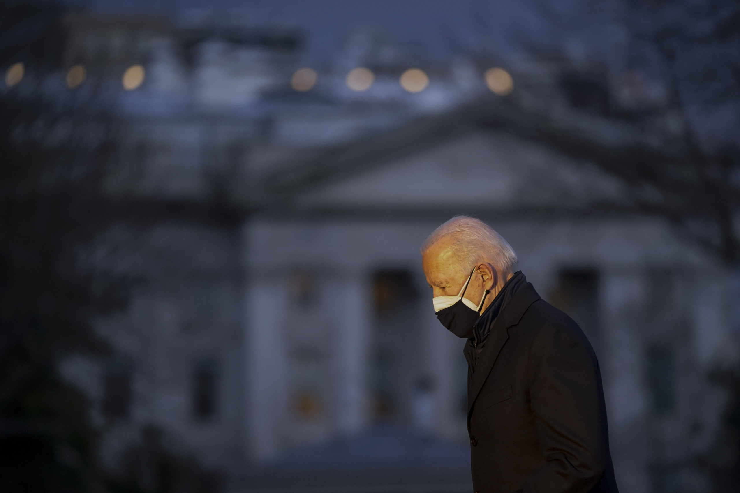 WASHINGTON, DC - FEBRUARY 19: U.S. President Joe Biden returns to the White House after a trip to Michigan on February 19, 2021 in Washington, DC. The president traveled to Kalamazoo, Michigan to visit Pfizer's COVID-19 vaccine manufacturing facility. (Photo by Drew Angerer/Getty Images)