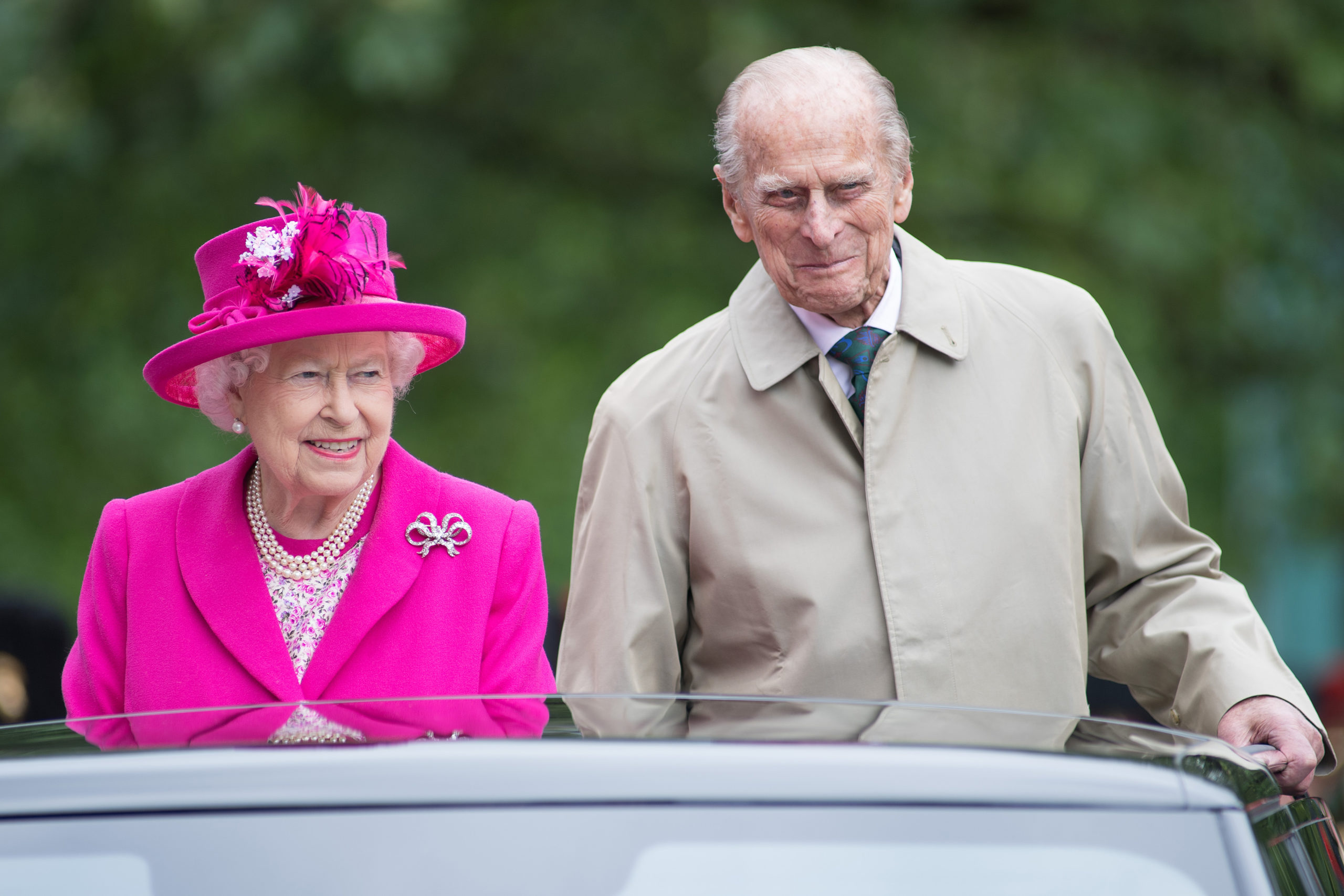 "Queen Elizabeth II and Prince Philip, Duke of Edinburgh during ""The Patron's Lunch"" celebrations for The Queen's 90th birthday at The Mall on June 12, 2016 in London, England. (Photo by Jeff Spicer/Getty Images)"