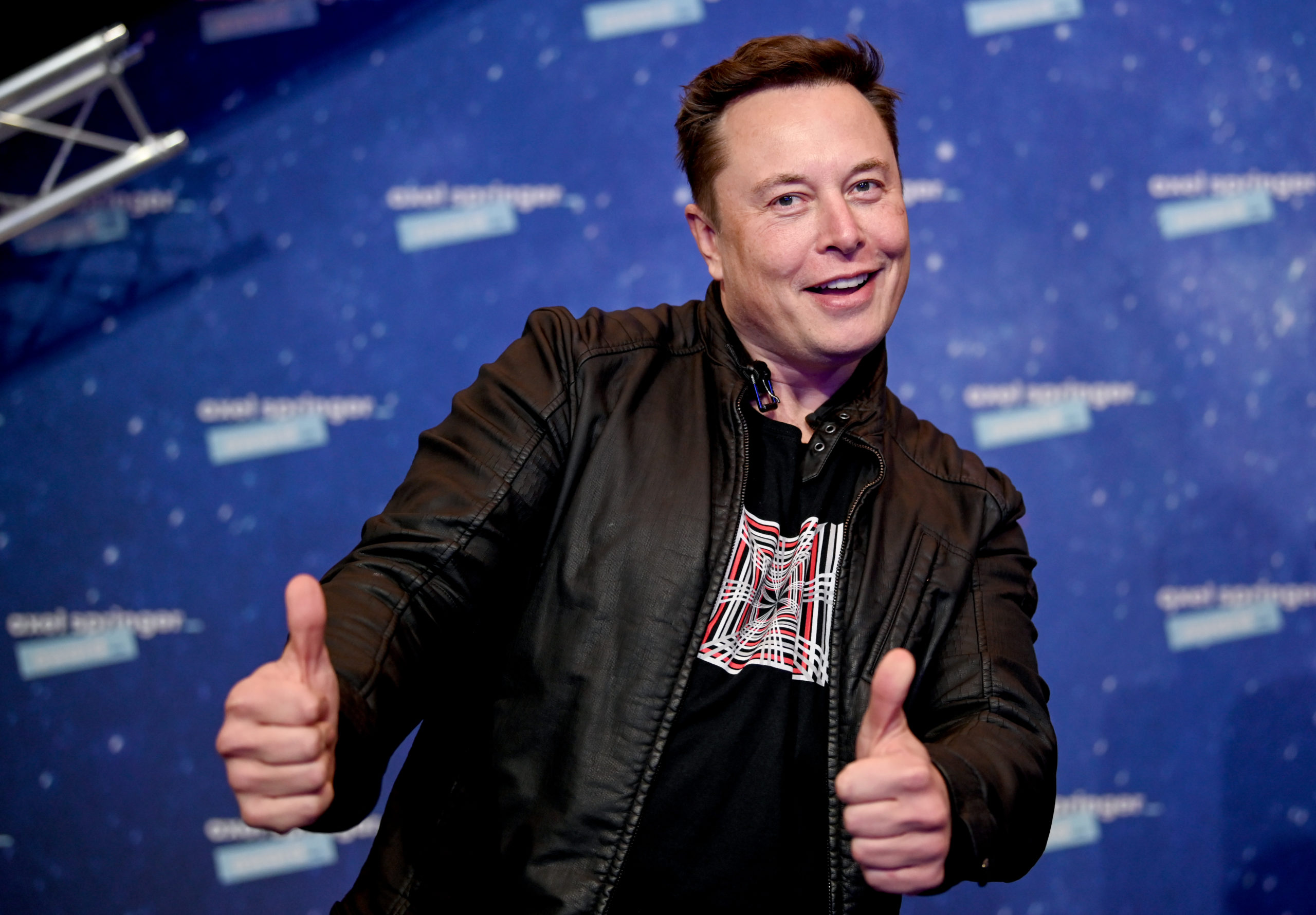 SpaceX owner and Tesla CEO Elon Musk arrives on the red carpet for the Axel Springer Award 2020 on December 01, 2020 in Berlin, Germany. (Photo by Britta Pedersen-Pool/Getty Images)