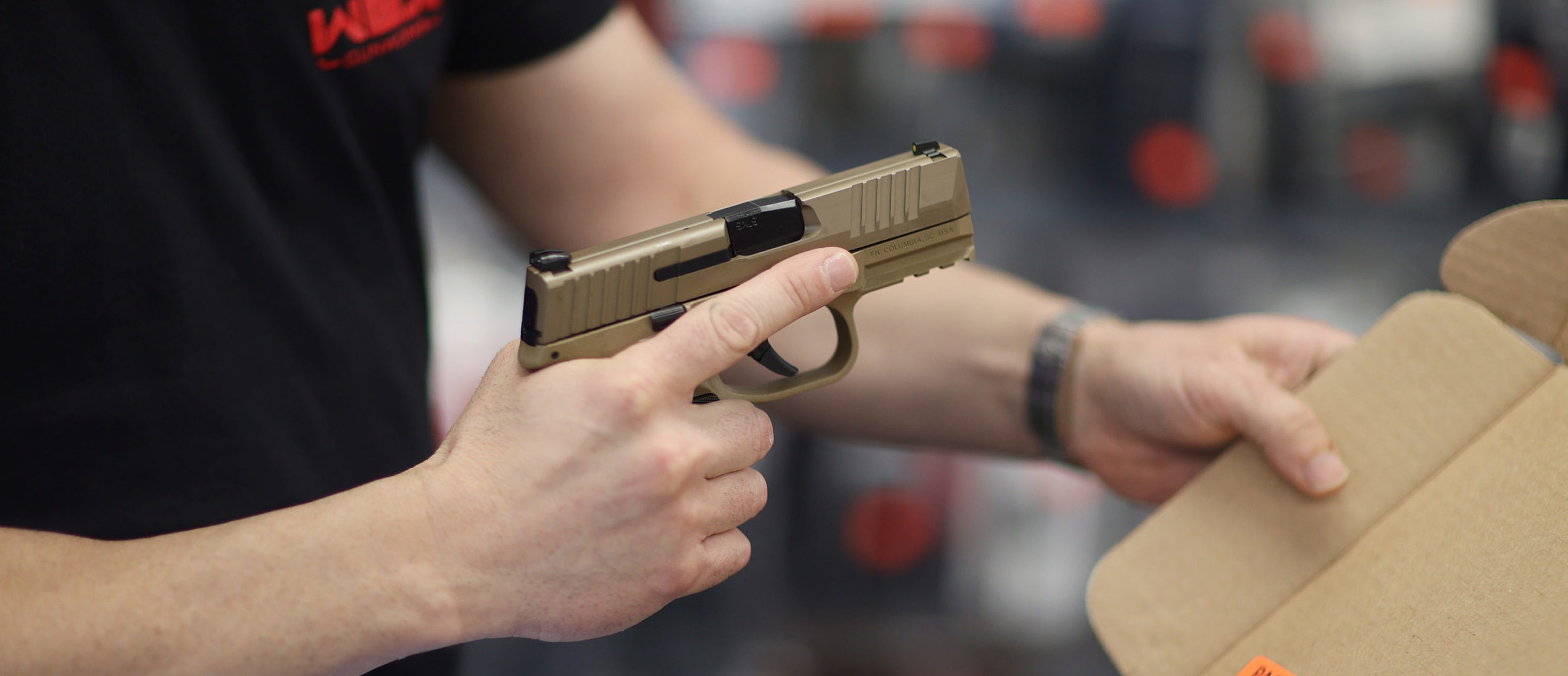 <p>Iowa Gov. Signs Bill Allowing Permitless Carry, Purchase Of Handguns thumbnail
