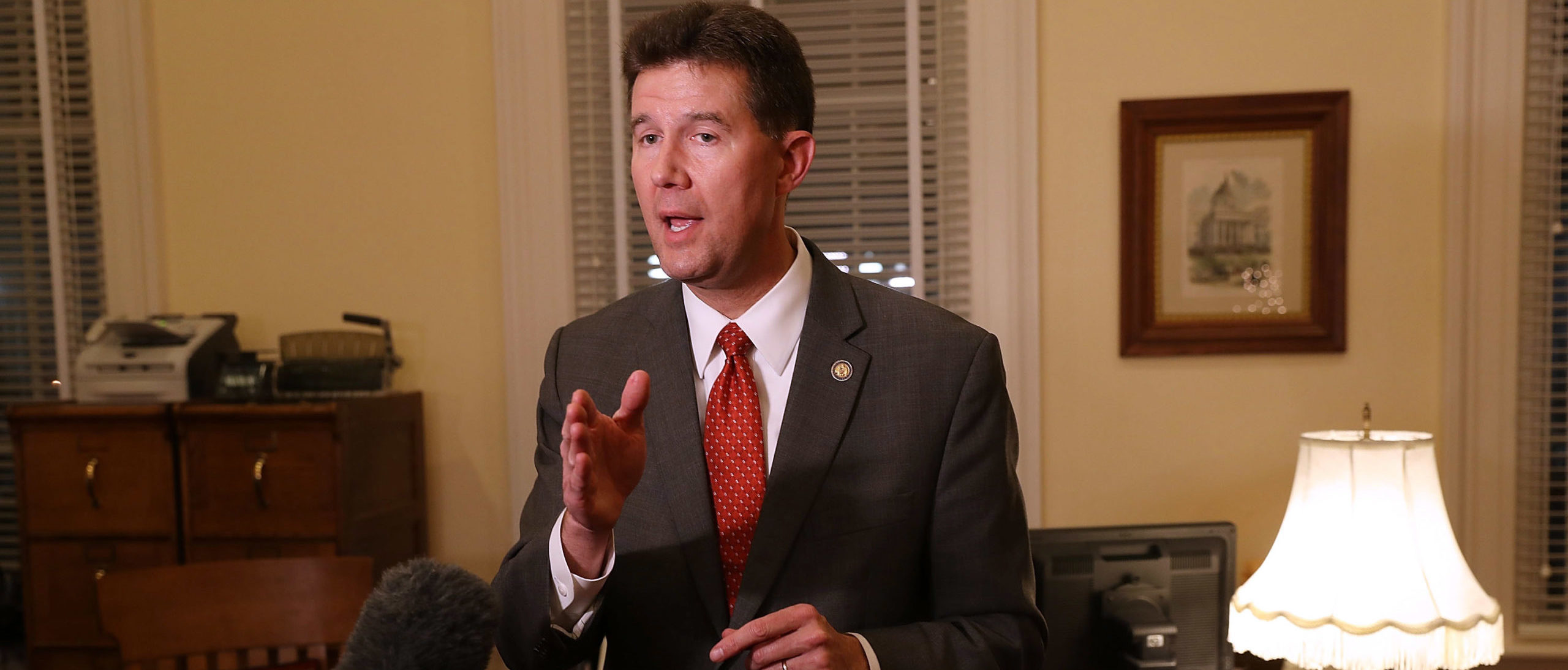 <p>Alabama Secretary Of State Drops Senate Bid After Being Confronted With Affair thumbnail