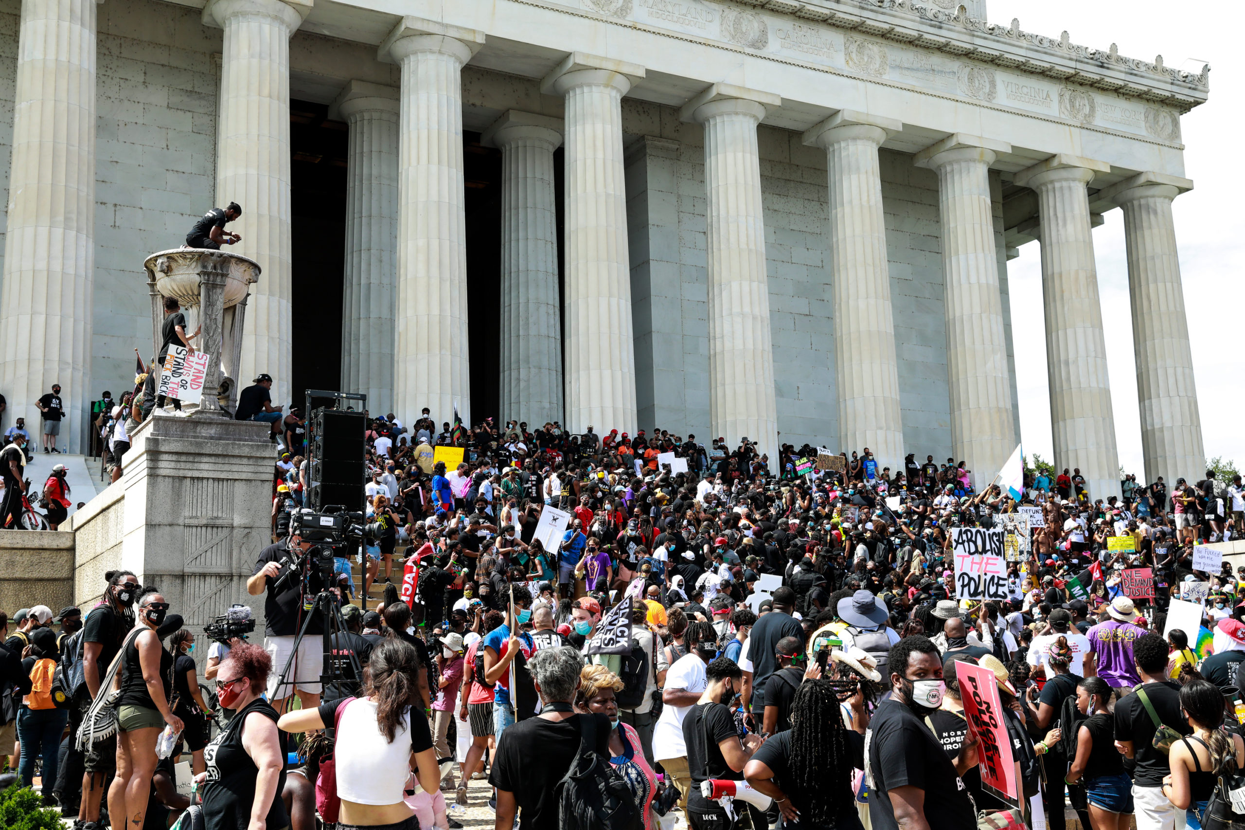 Crowds descend upon the steps of the Lincoln Memorial during the Aug. 28 protest in Washington, D.C. (Natasha Moustache/Getty Images)