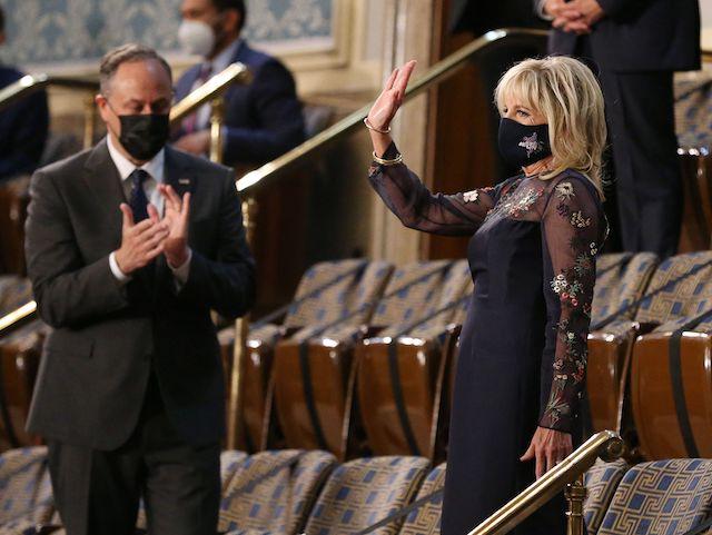 (Photo par MICHAEL REYNOLDS / POOL / AFP via Getty Images)