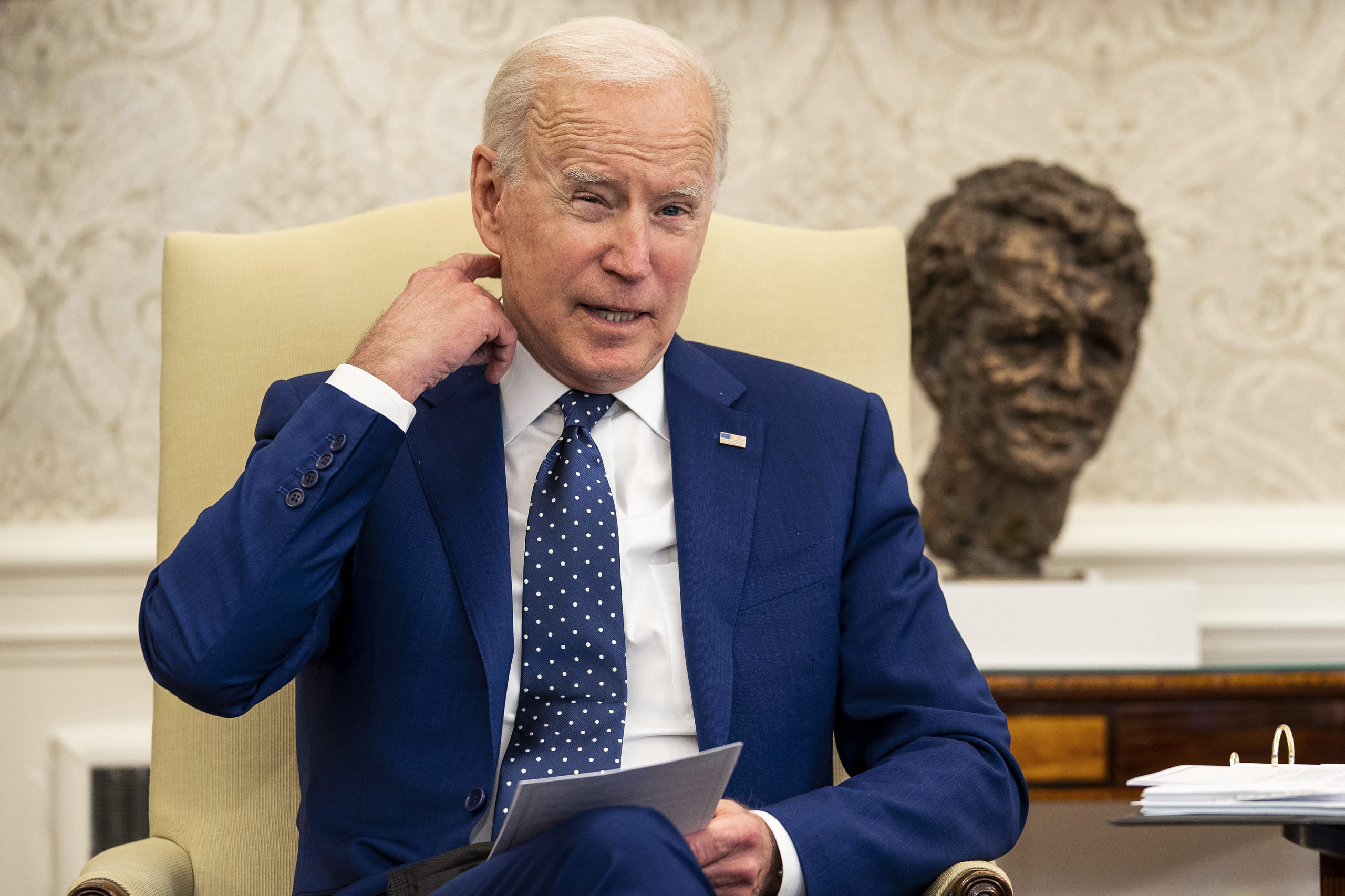 U.S. President Joe Biden meets with members of the Congressional Asian Pacific American Caucus Executive Committee in the Oval Office at the White House on April 15, 2021 in Washington, DC. (Doug Mills-Pool/Getty Images)
