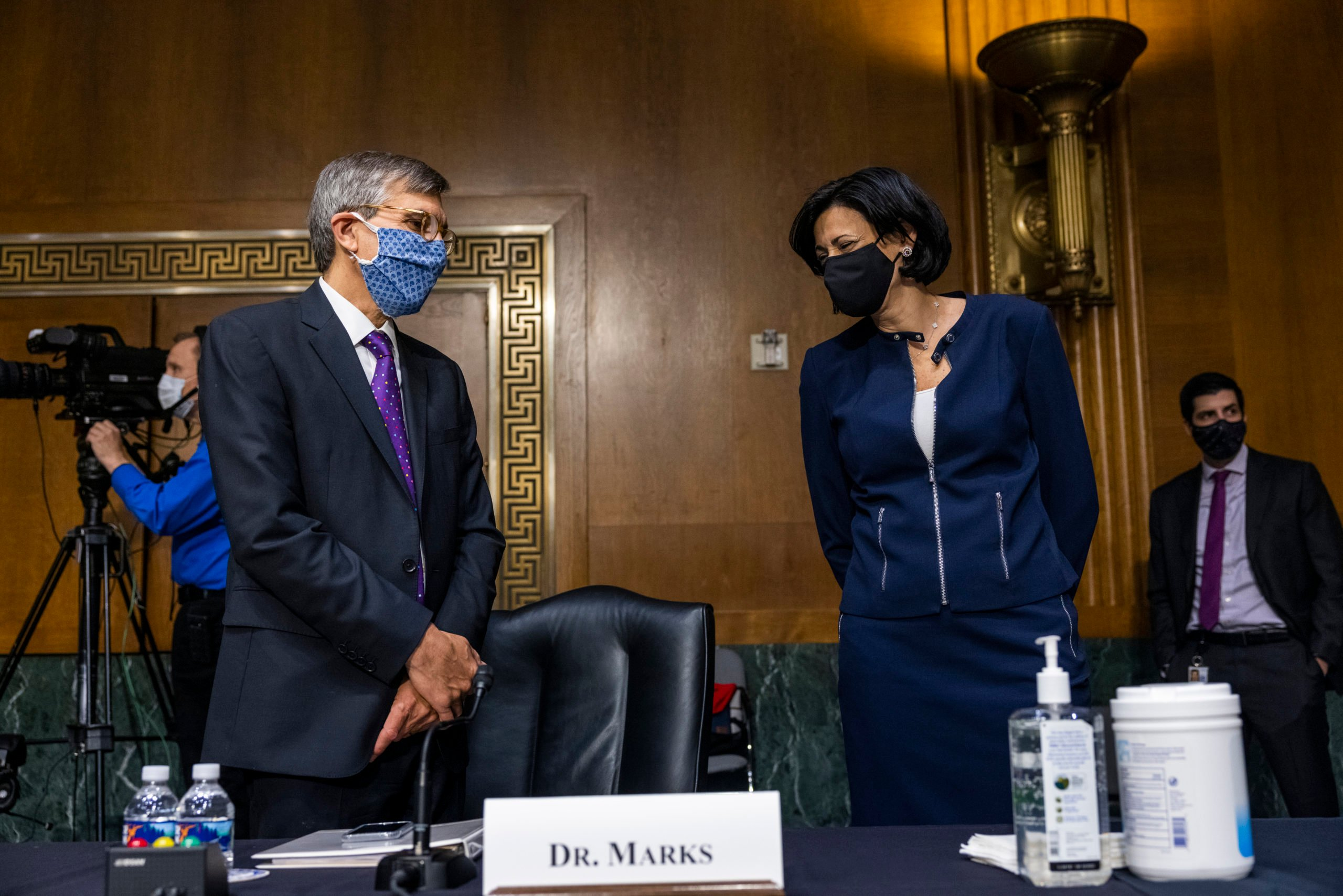Peter Marks of the Food and Drug Administration meets with Rochelle Walensky, Director of the US Centers for Disease Control and Prevention. (Photo by Jim Lo Scalzo-Pool/Getty Images)