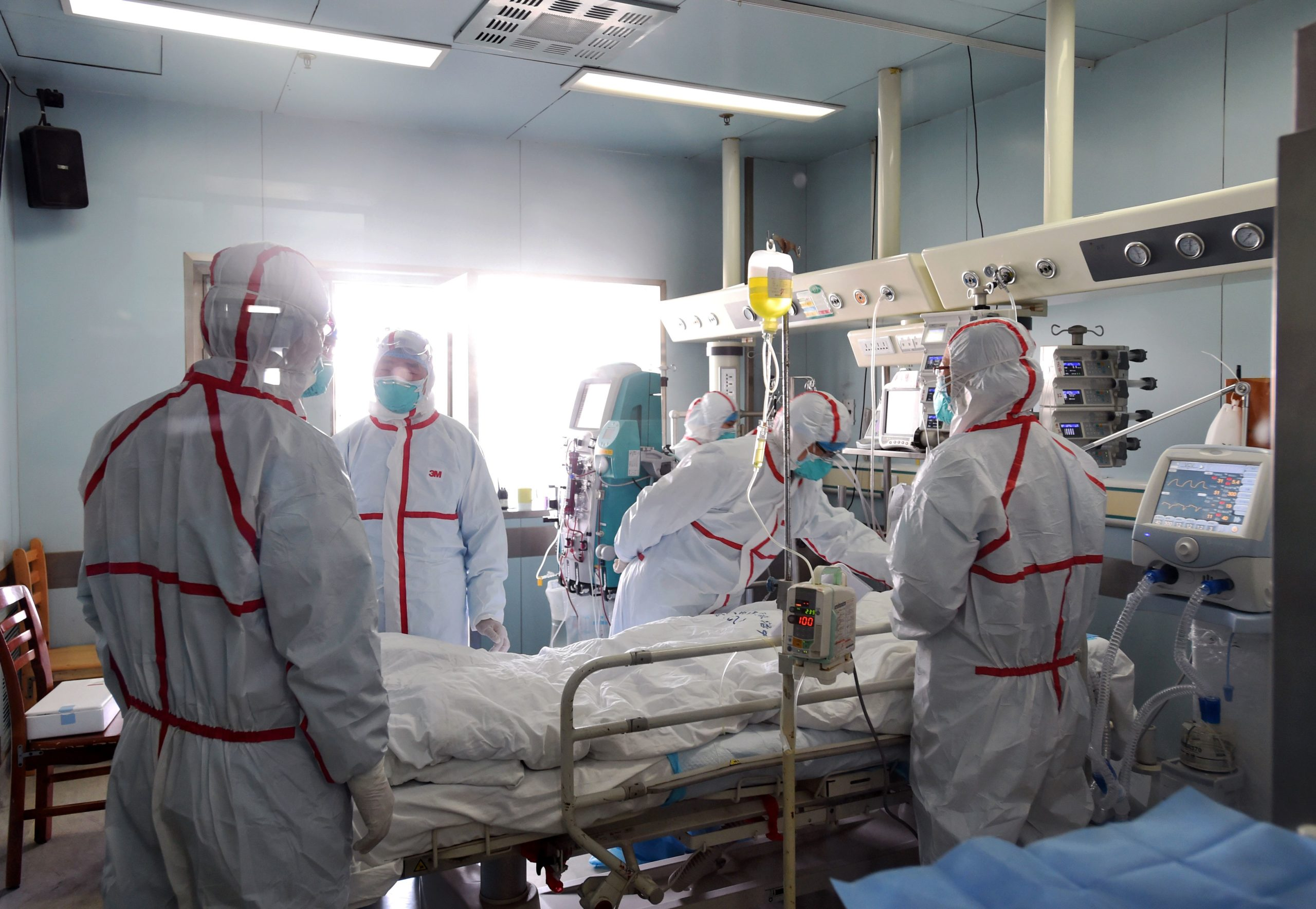 This photo taken on February 12, 2017 shows an H7N9 bird flu patient being treated in a hospital in Wuhan, central China's Hubei province. A number of provinces in China have stepped up efforts to prevent H7N9 avian flu following reports of scattered human cases of the virus, state media reported. / AFP / STR / China OUT (Photo credit should read STR/AFP via Getty Images)