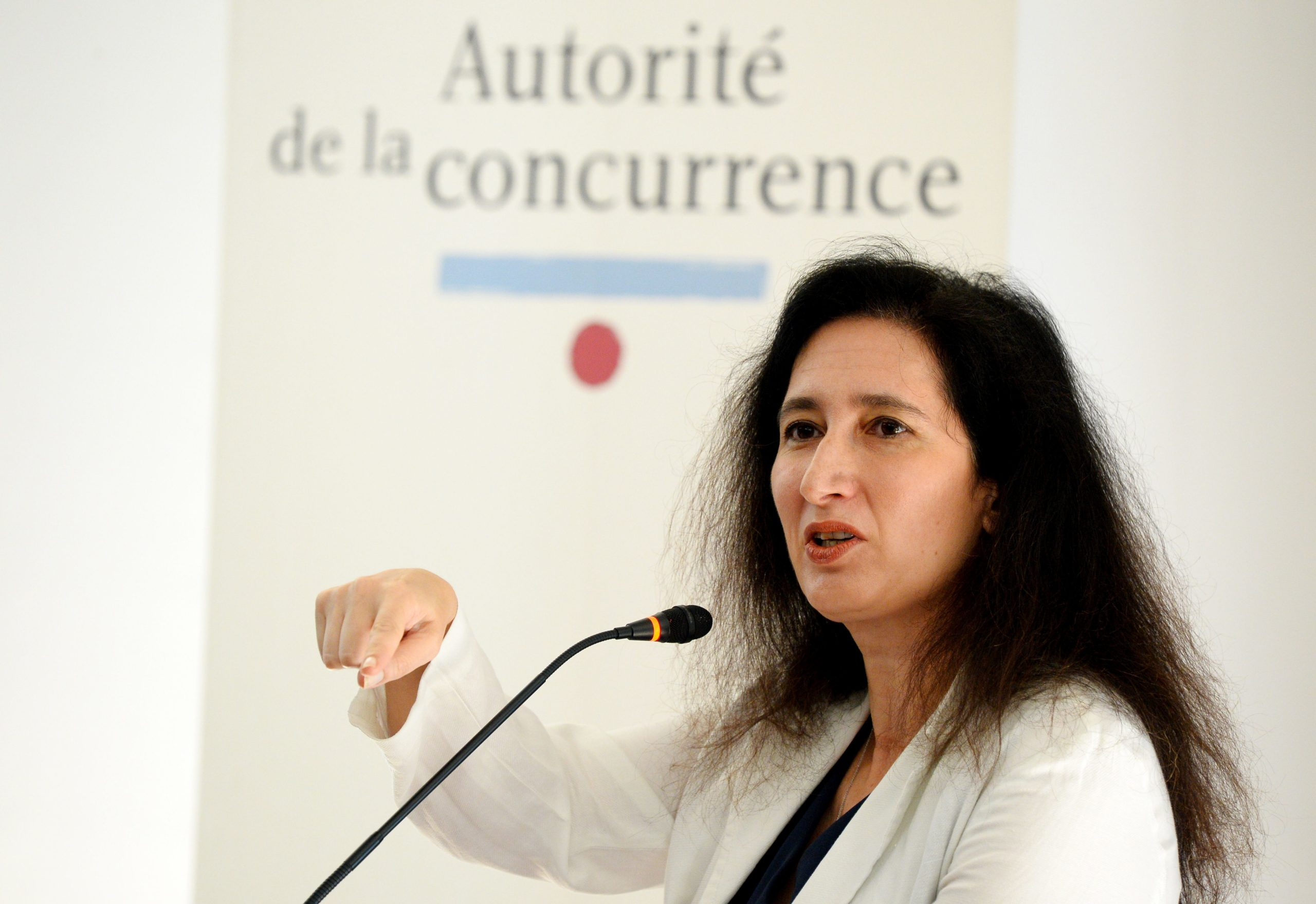 Head of the France's Competition Authority (Autorite de la Concurrence) Isabelle de Silva speaks during a press conference. (Photo by ERIC PIERMONT/AFP via Getty Images)