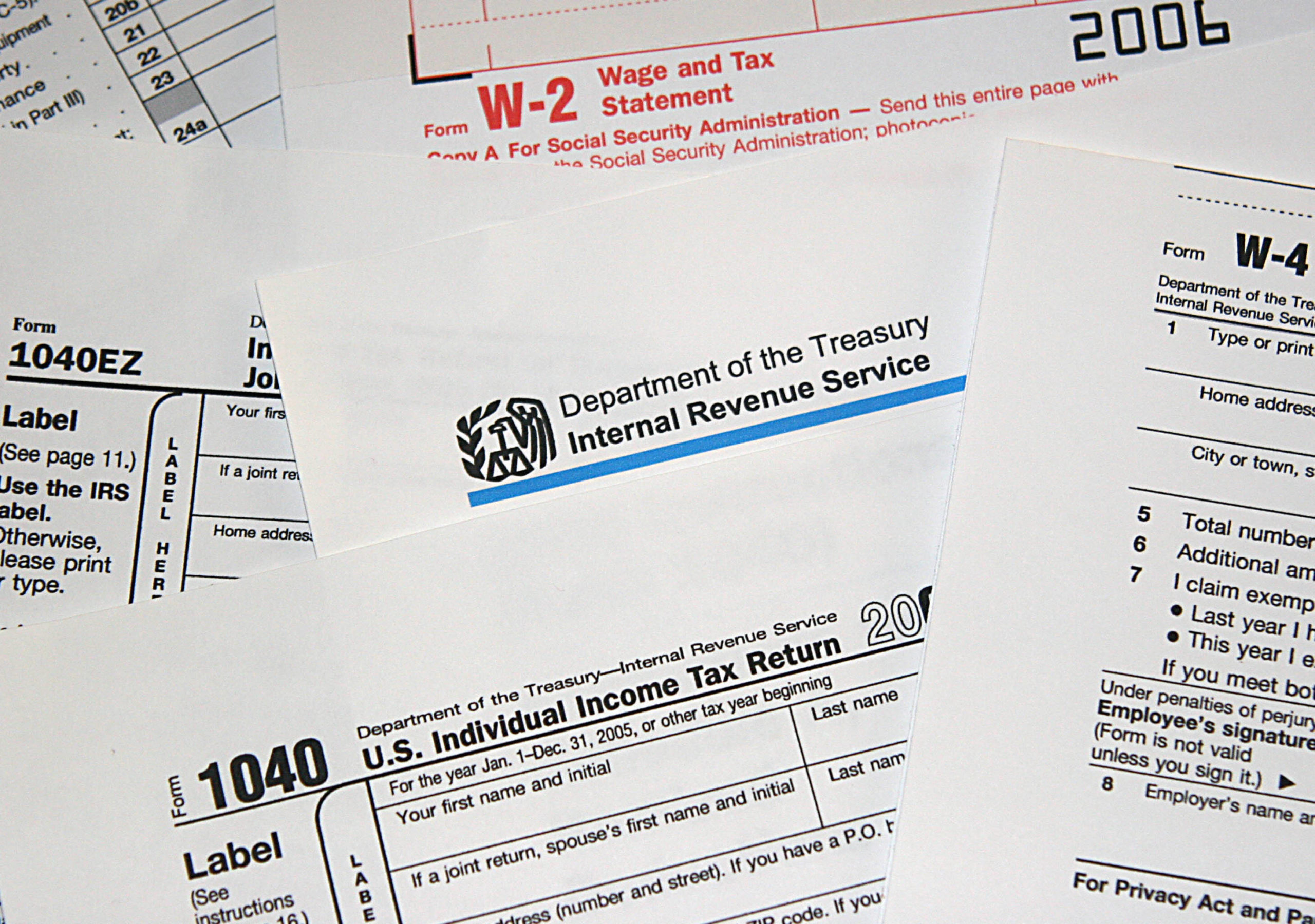 Washington, UNITED STATES: This 24 March, 2006 photo shows US Internal Revenue Service (IRS) tax forms. April 15 marks the date for US taxpayers to file their returns. AFP PHOTO/Karen BLEIER (Photo credit should read KAREN BLEIER/AFP via Getty Images)