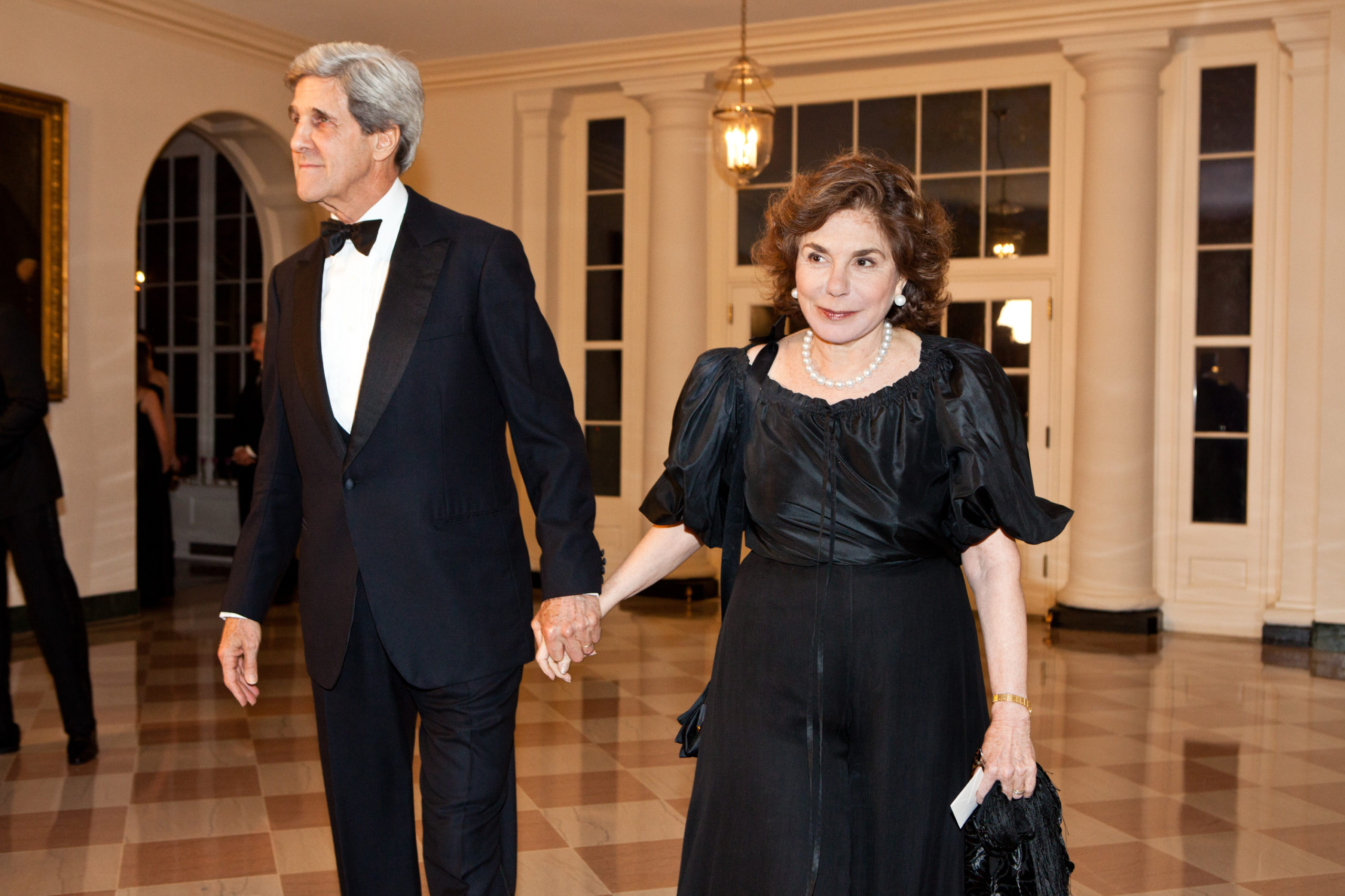 WASHINGTON - MARCH 14: Sen. John Kerry (D-MA) and Teresa Heinz Kerry (R) arrive for a State Dinner in honor of British Prime Minister David Cameron at the White House on March 14, 2012 in Washington, DC. Cameron is on a three day official visit to Washington. (Photo by Brendan Hoffman/Getty Images)