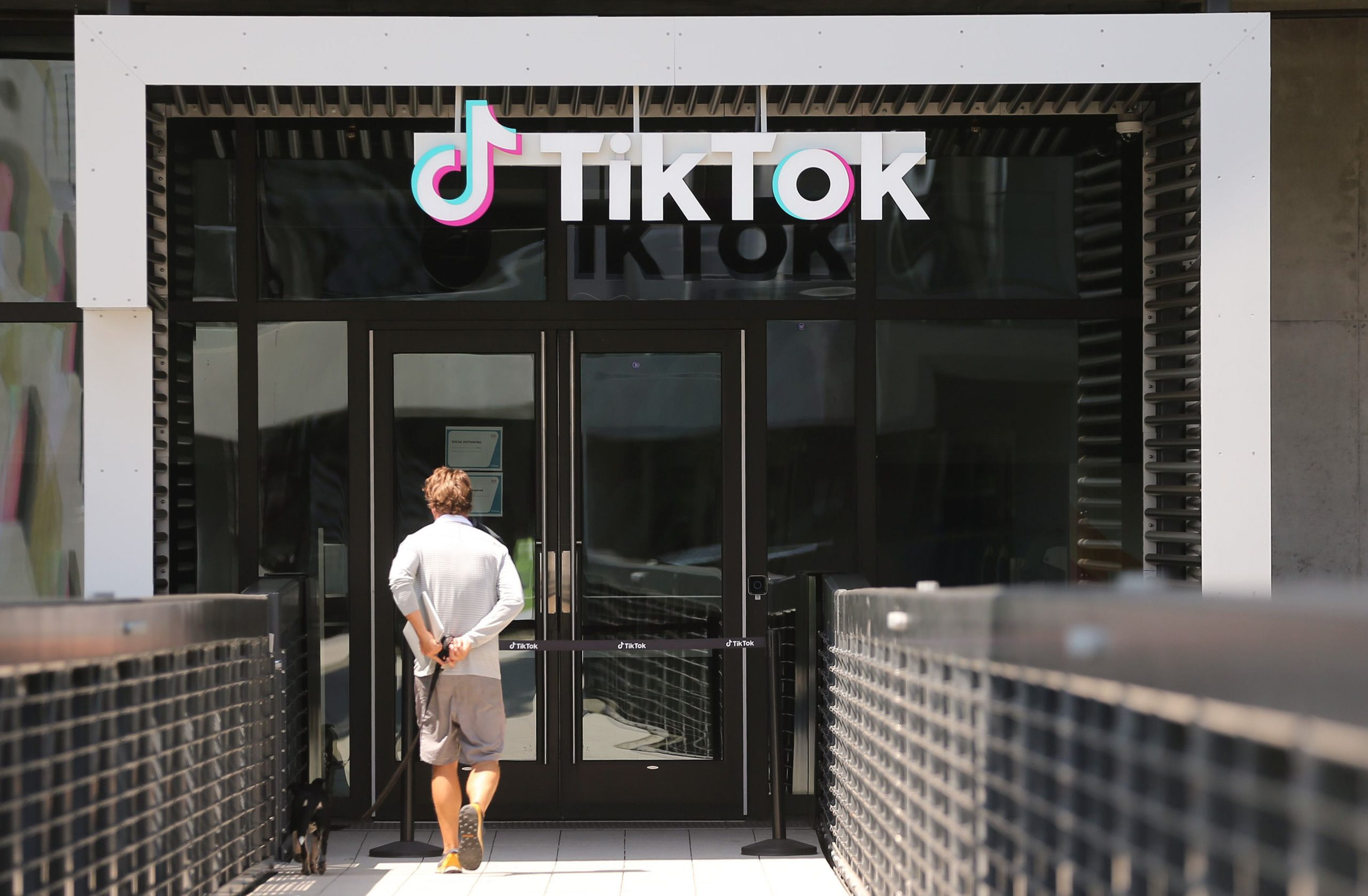 The TikTok logo is displayed in front of a TikTok office on August 27, 2020 in Culver City, California. (Photo by Mario Tama/Getty Images)